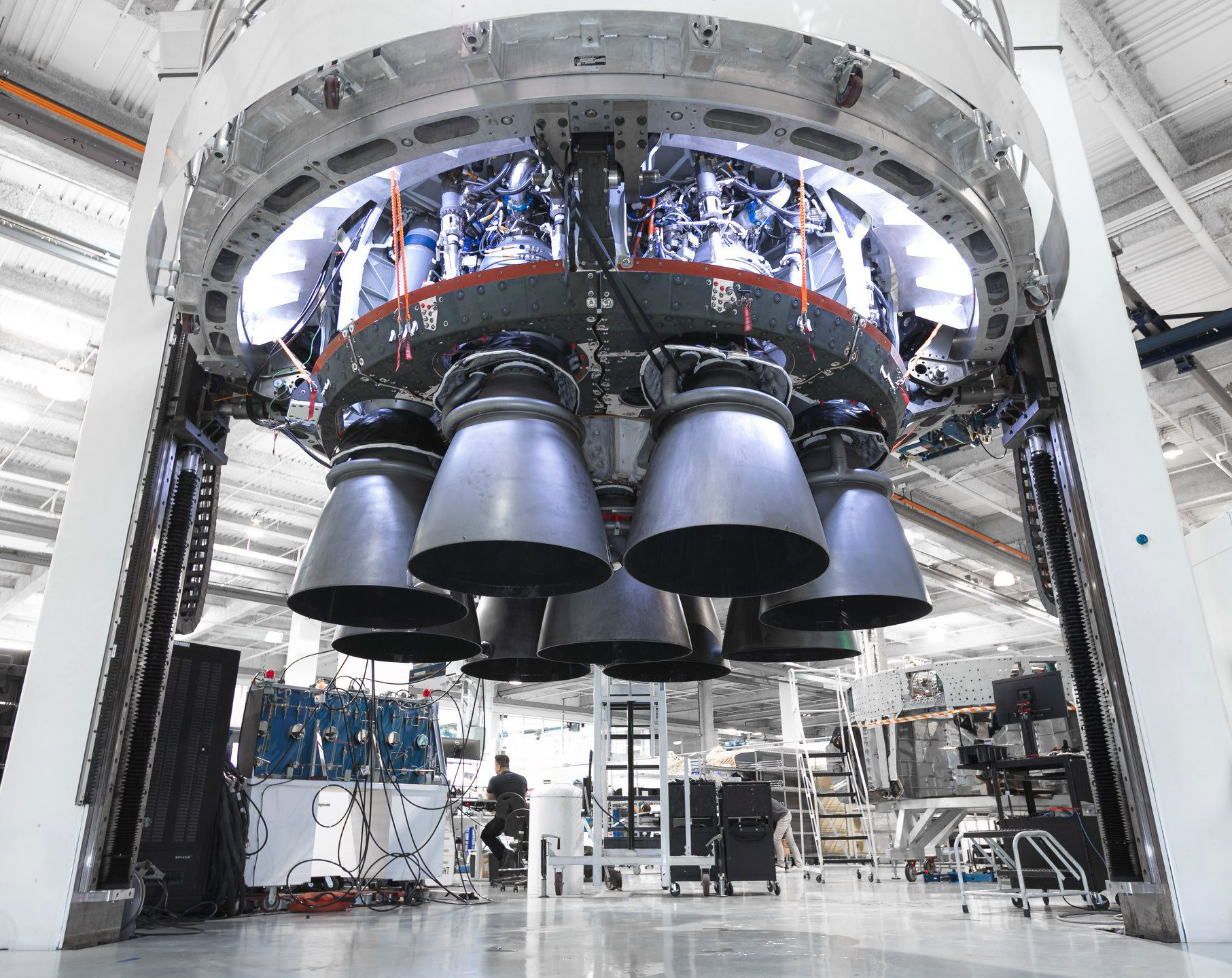 GPS III SV03 Falcon 9 B1060 processing 2019 (SpaceX) octaweb 1