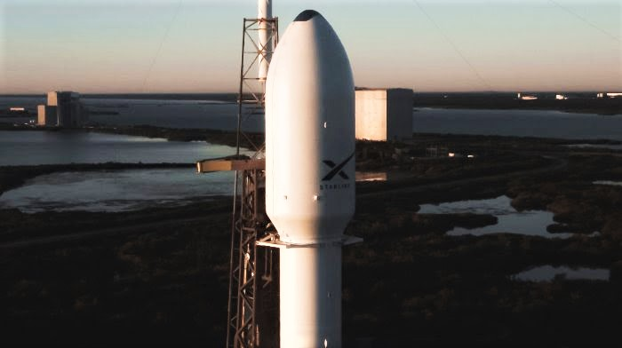 Starlink-2 fairing view 010620 (SpaceX) 1 edit