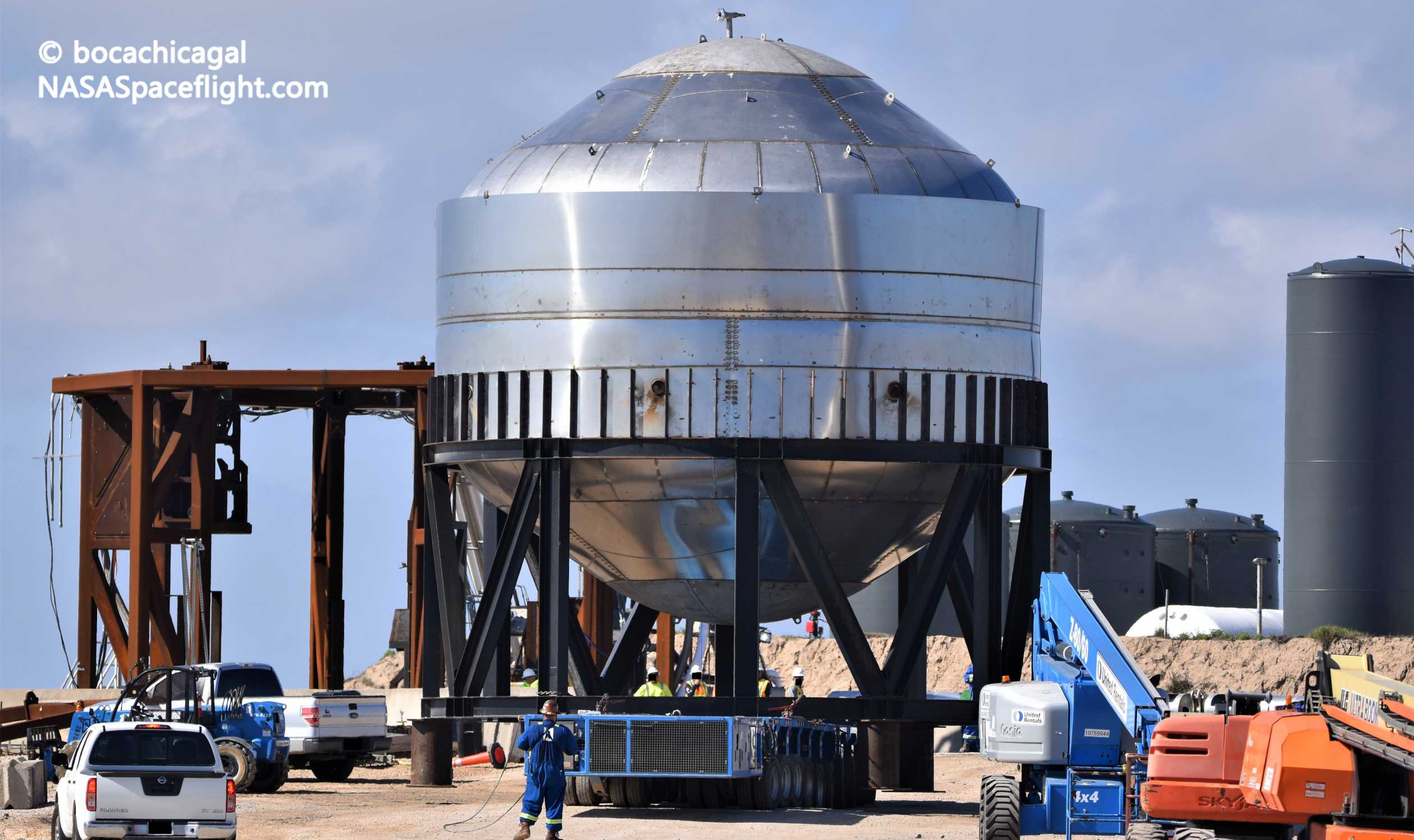 Starship Boca Chica 012720 (NASASpaceflight – bocachicagal) test tank #2 transport 6 crop (c)