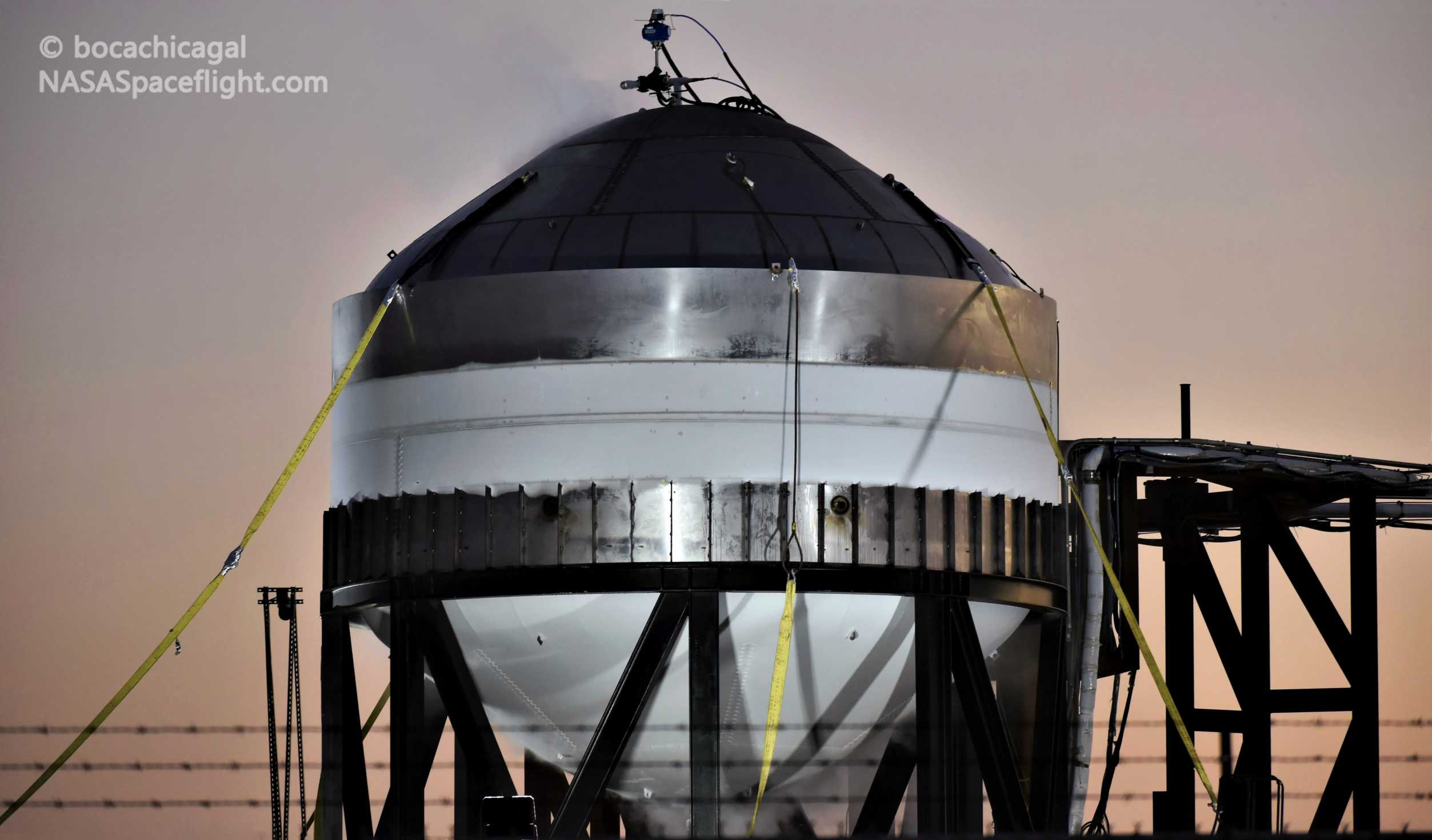 Starship Boca Chica 012820 (NASASpaceflight – bocachicagal) frosty test tank #2 2 (c)