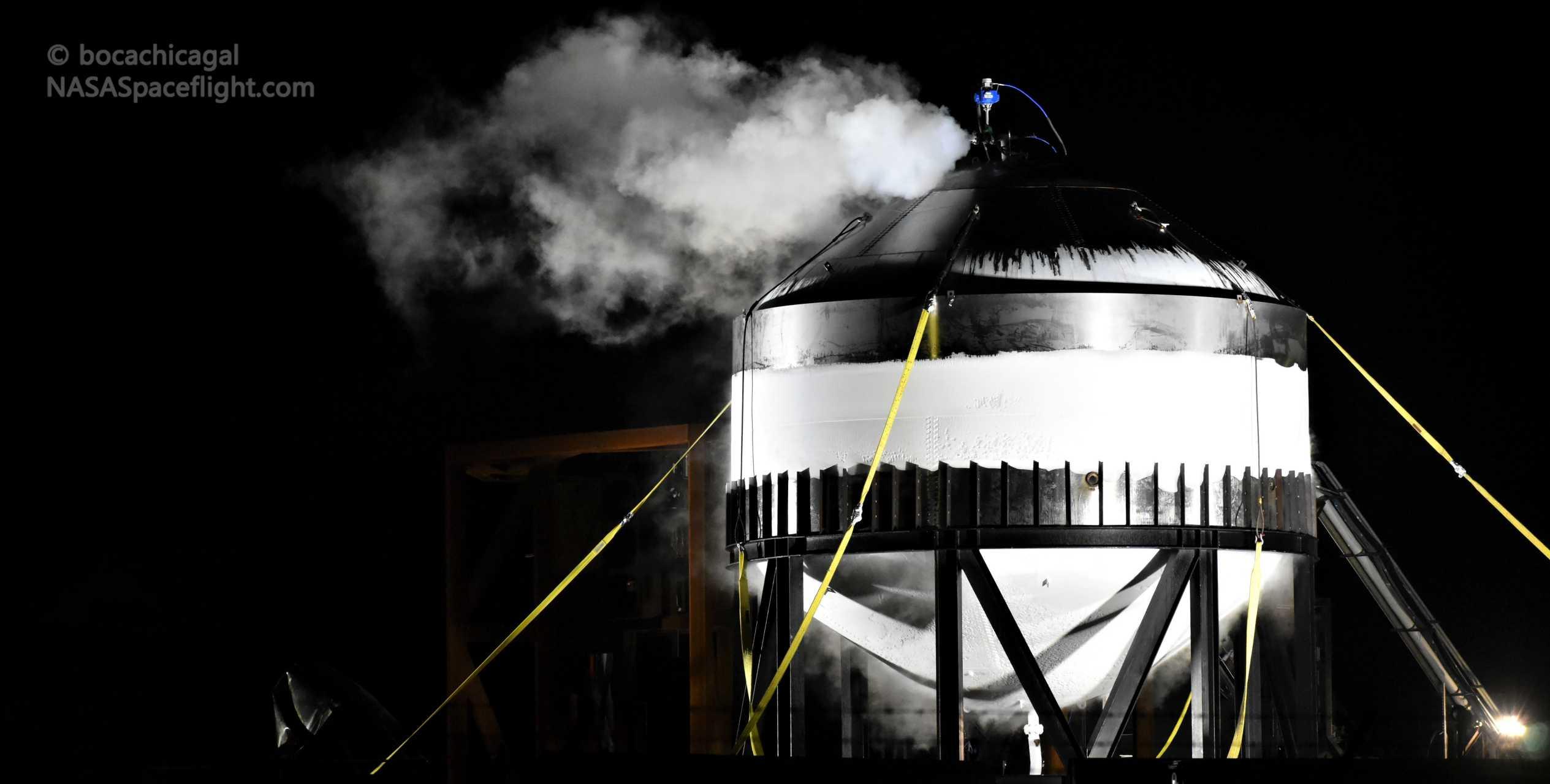 Starship Boca Chica 012820 (NASASpaceflight – bocachicagal) frosty test tank #2 5 crop (c)