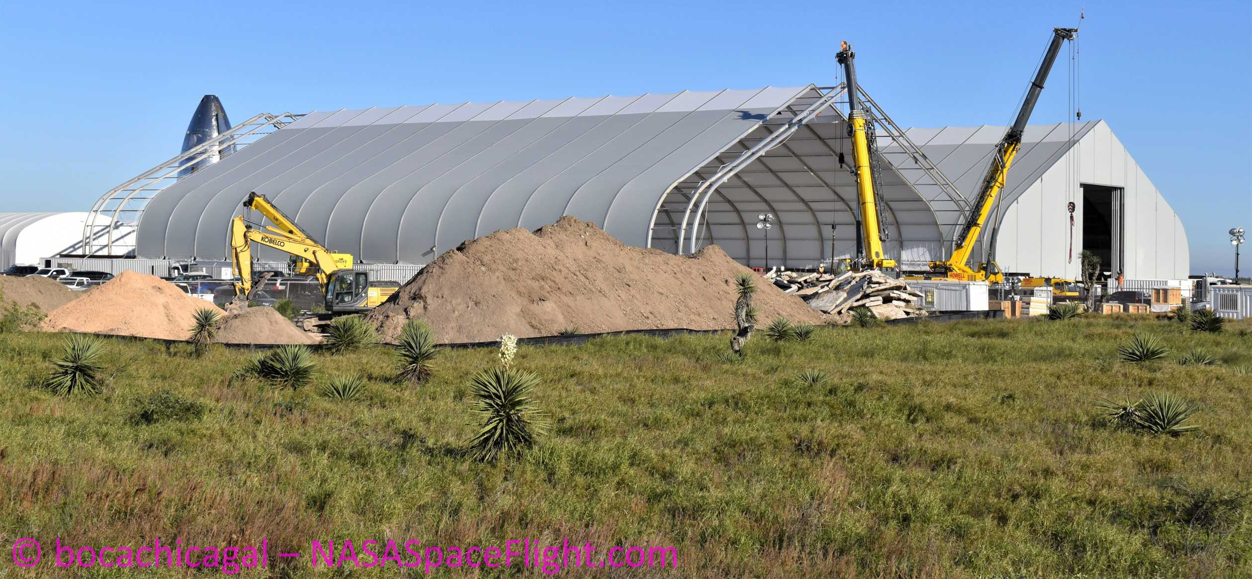 Starship Boca Chica 012920 (NASASpaceflight – bocachicagal) tents 1 crop (c)