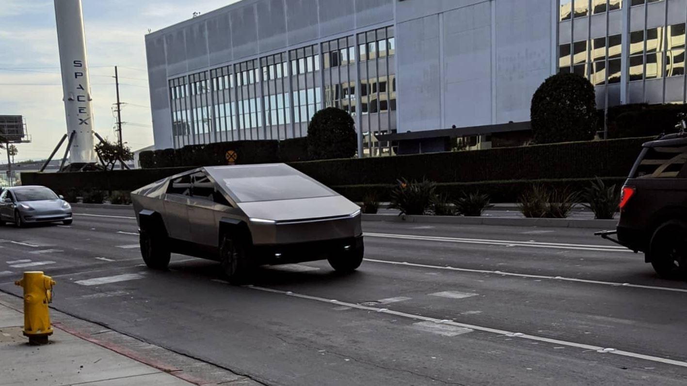 Tesla Cybertruck and Elon Musk filming for Jay Leno's Garage