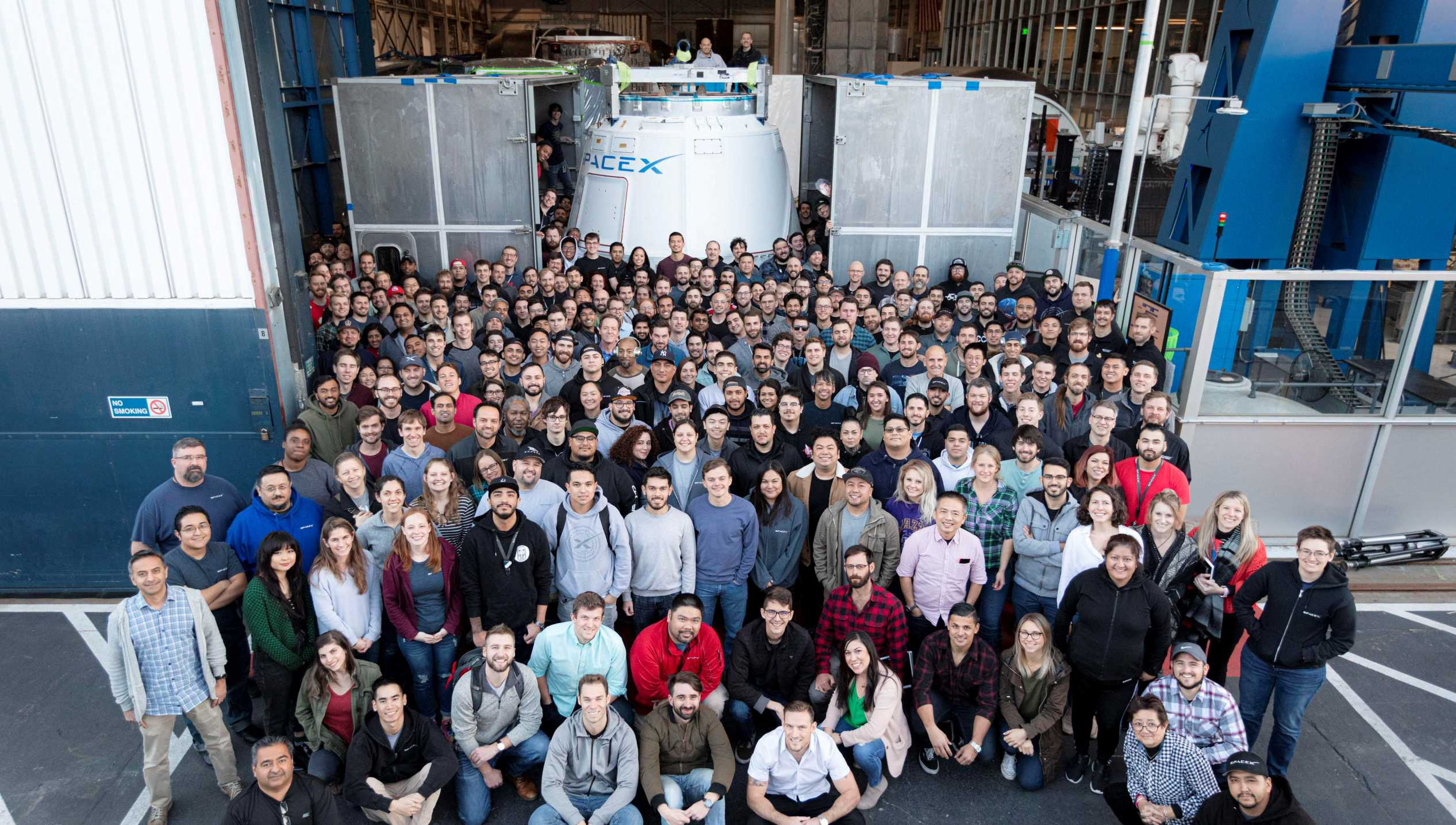CRS-20 Cargo Dragon Hawthorne production team Feb 2020 (SpaceX) 1 crop (c)
