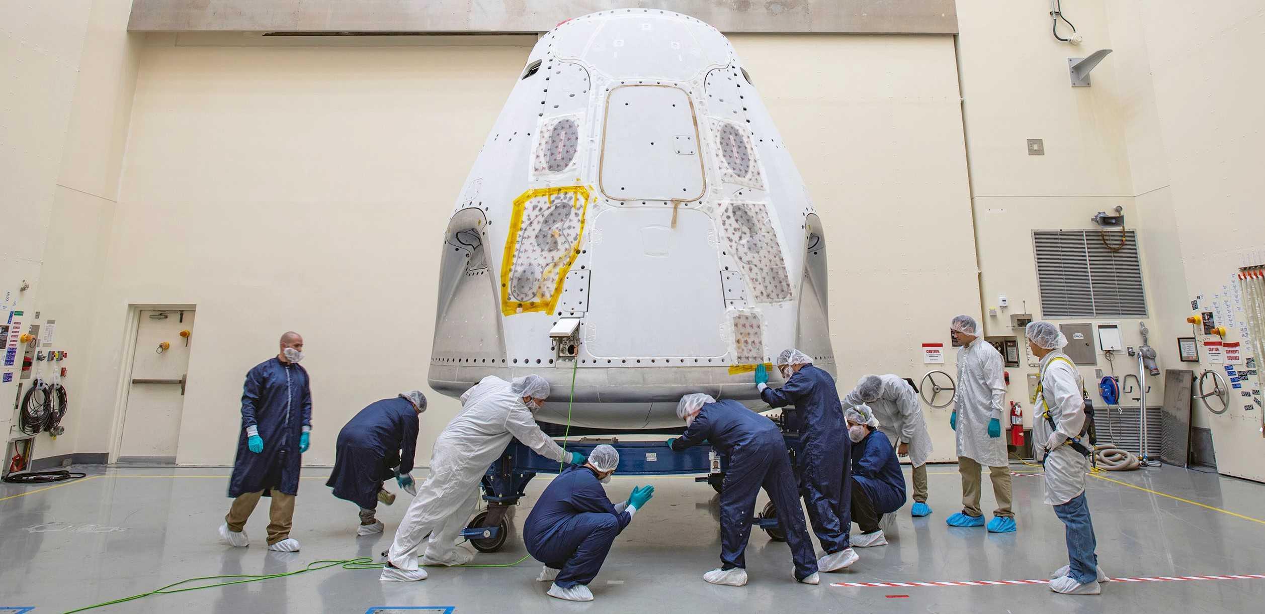 Demo-2 Crew Dragon C206 FL arrival 021320 (SpaceX) 1 crop (c)