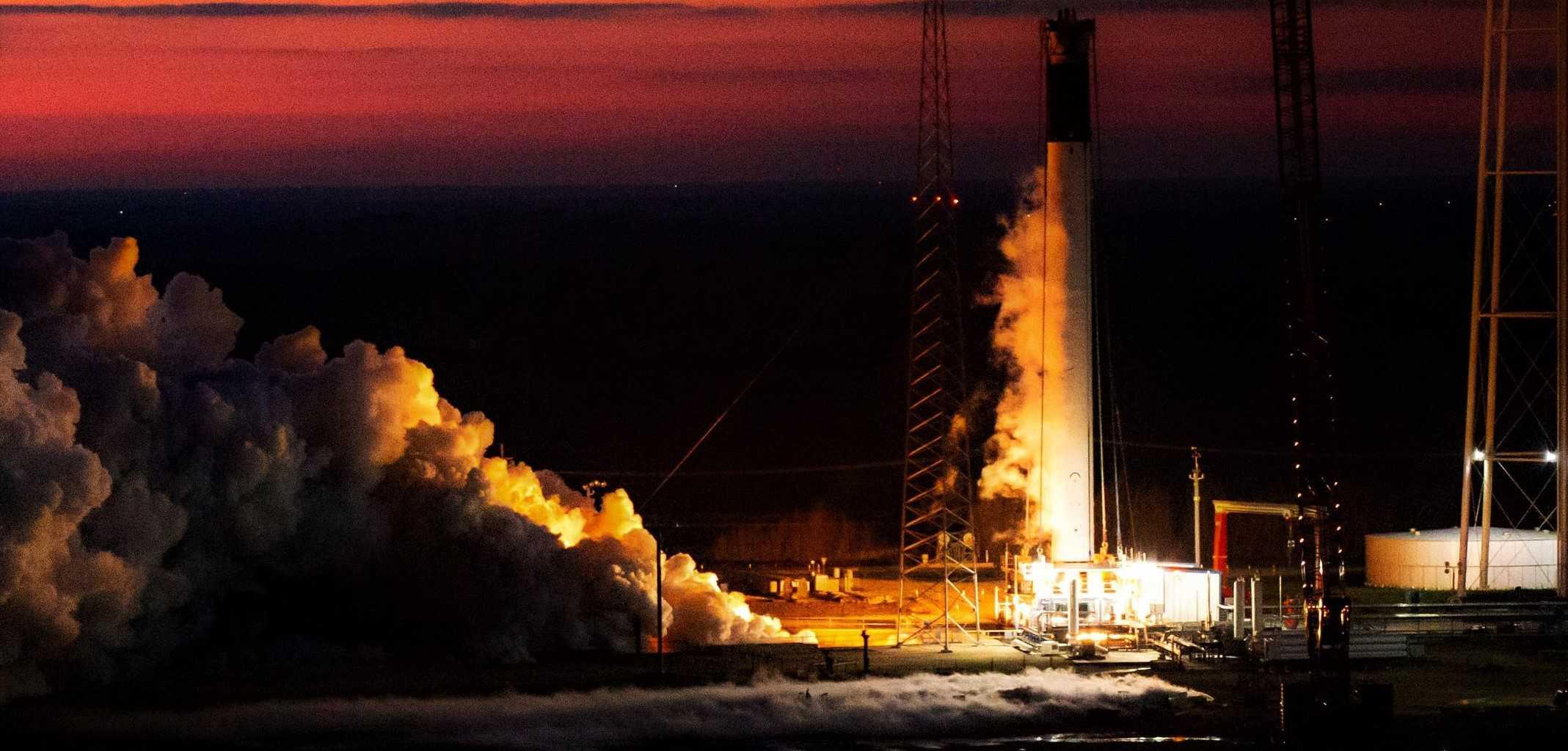 Falcon 9 B106x GPS III SV03 McGregor static fire 021320 (SpaceX) 1 crop 3 edit (c)