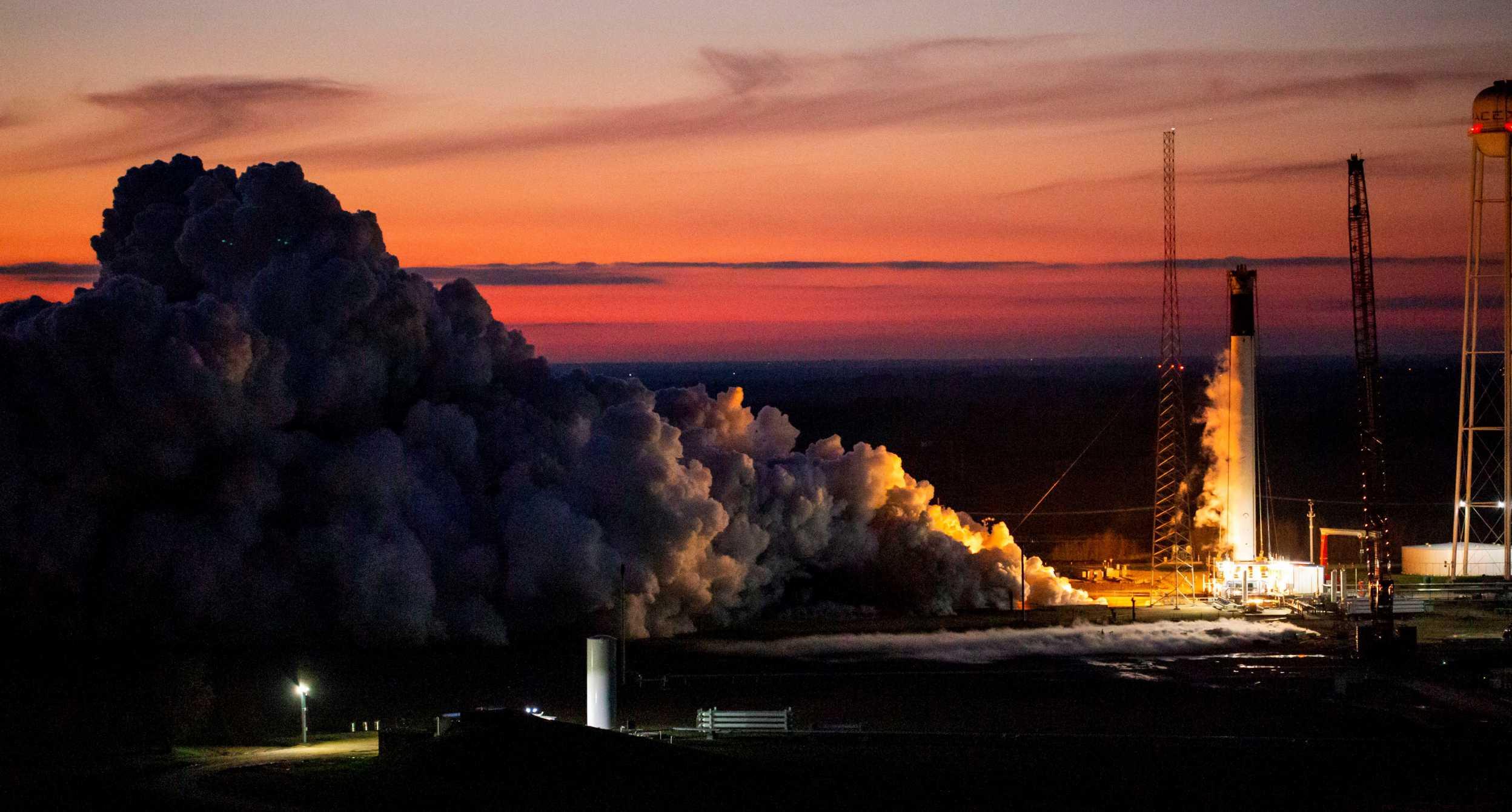 Falcon 9 B106x GPS III SV03 McGregor static fire 021320 (SpaceX) 1 crop (c)
