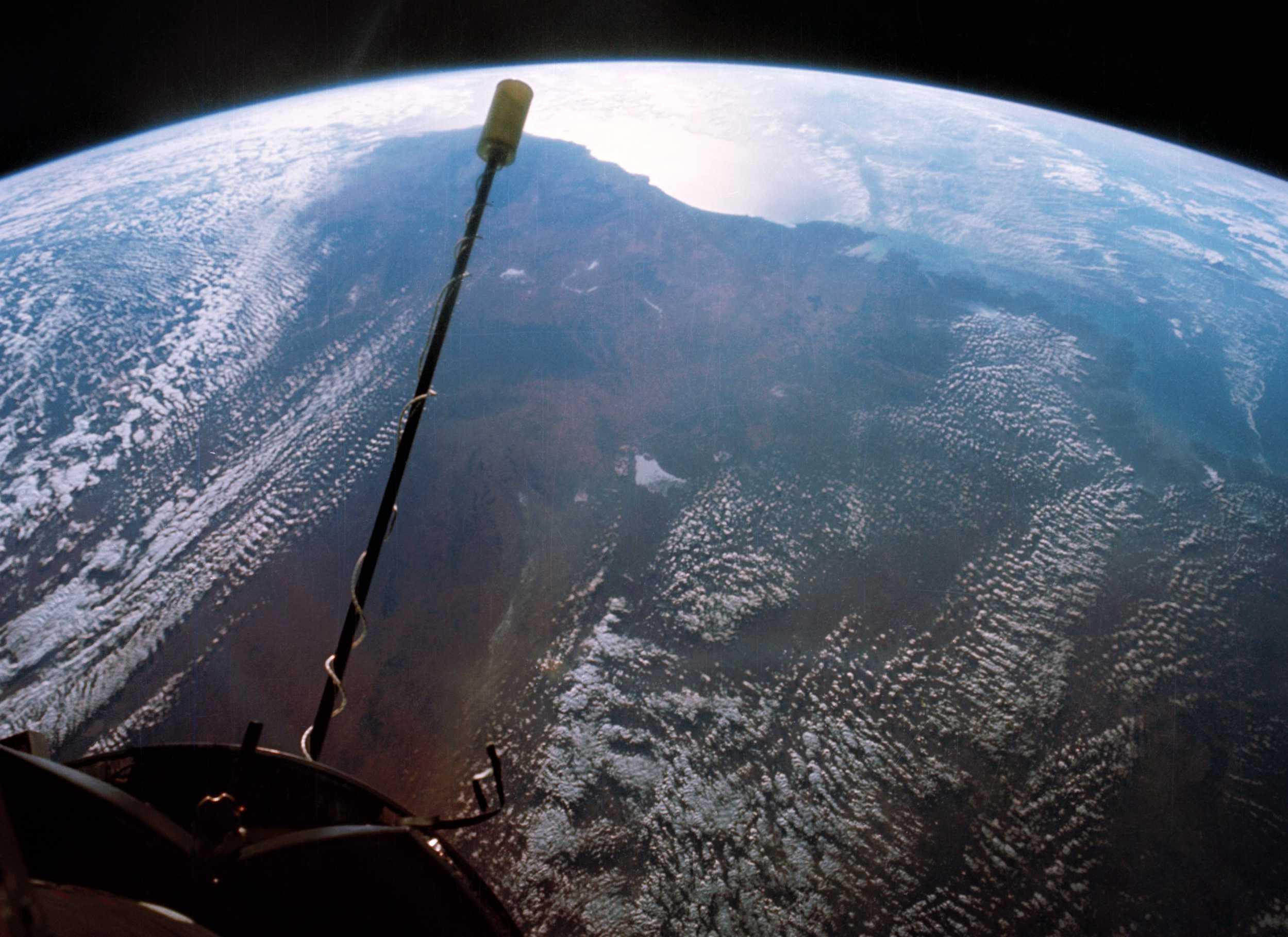 Gemini 11 850 mi apogee Australia 1966 (NASA) 1 crop (c)