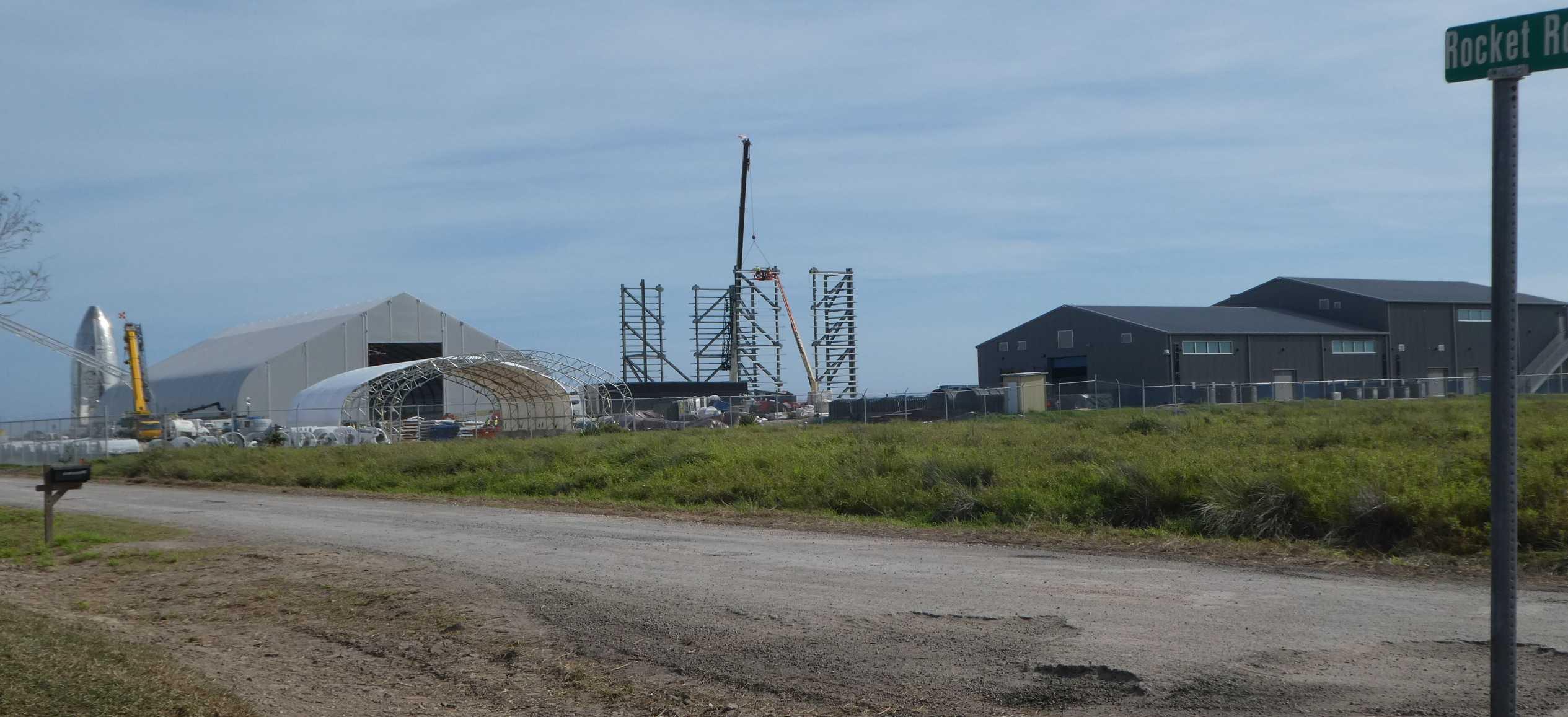 Starship Boca Chica 011720 (NASASpaceflight – Nomadd) facilities 1 crop (c)