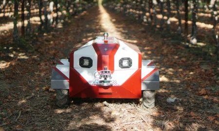 Hitch autonomous farming robot