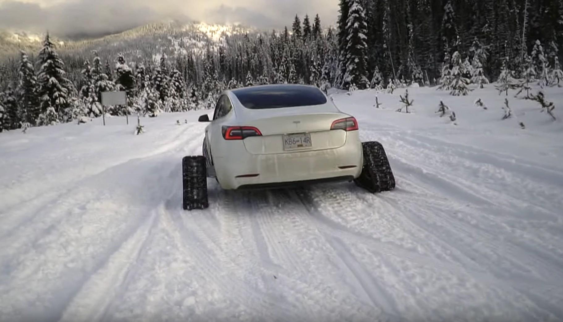 tesla-model-3-snow-tracks (1)