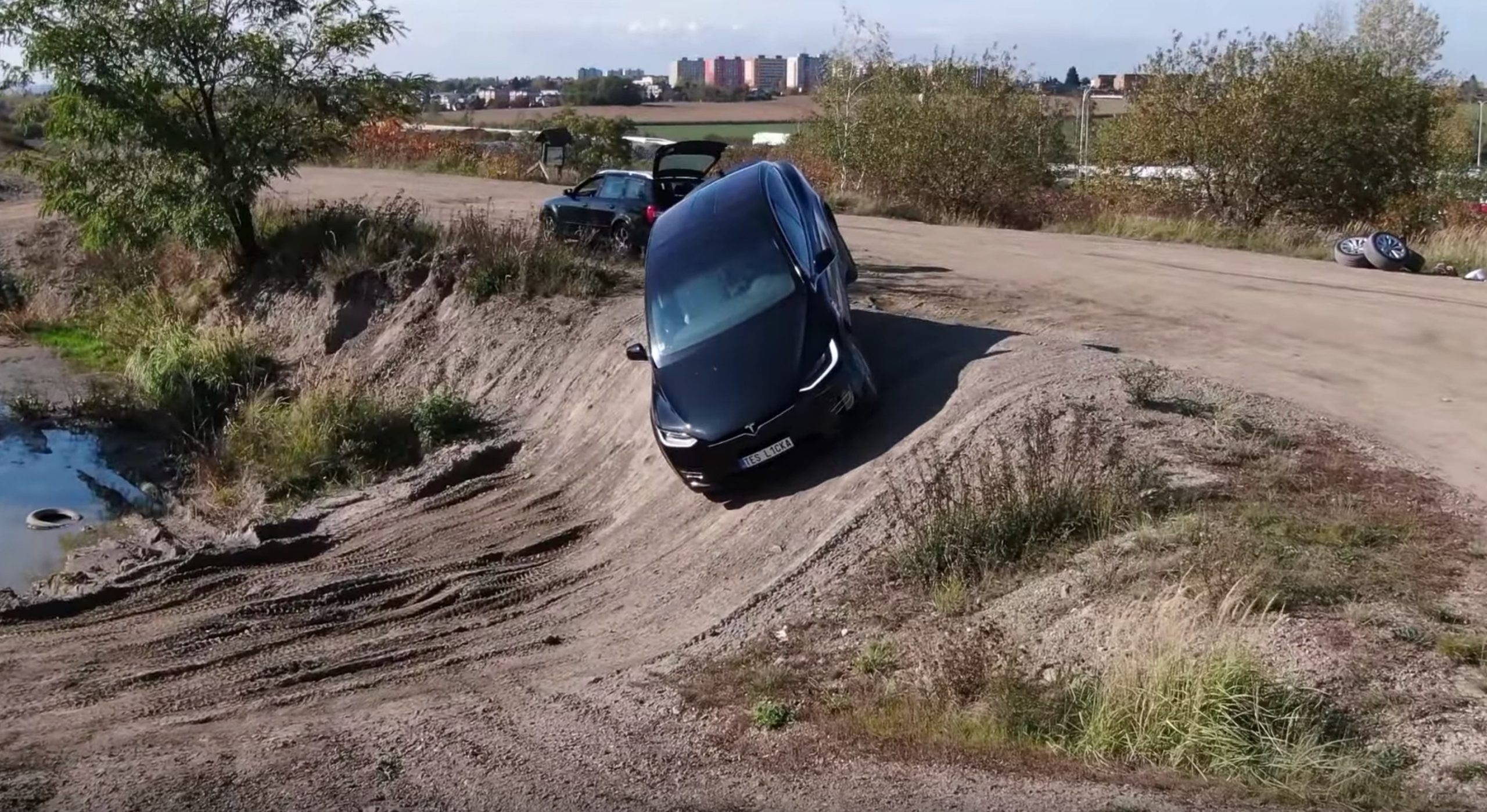 tesla-model-x-off-road-course