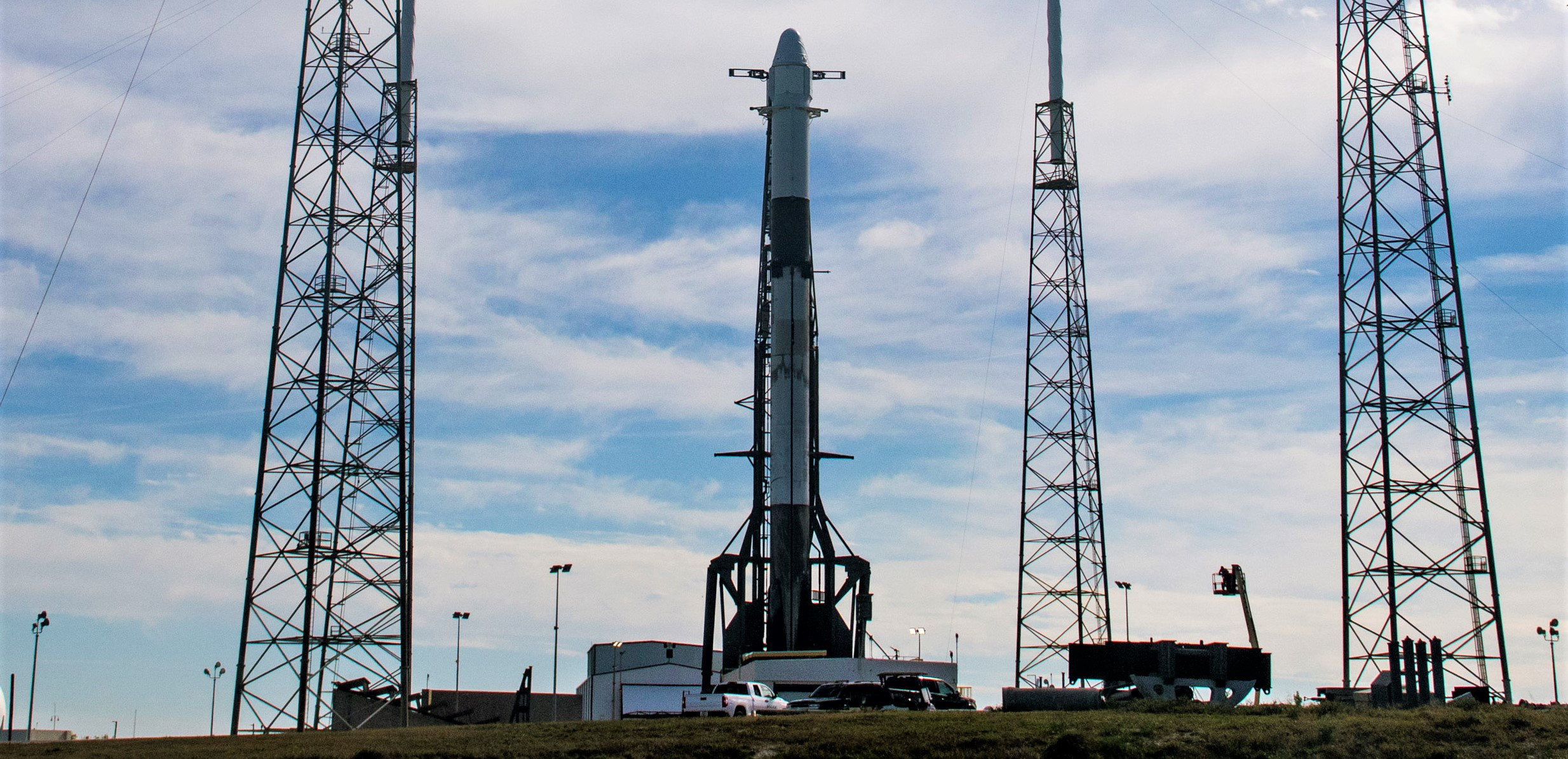 CRS-20 Cargo Dragon C112 Falcon 9 B1059 LC40 vertical 030620 (SpaceX) 1 crop