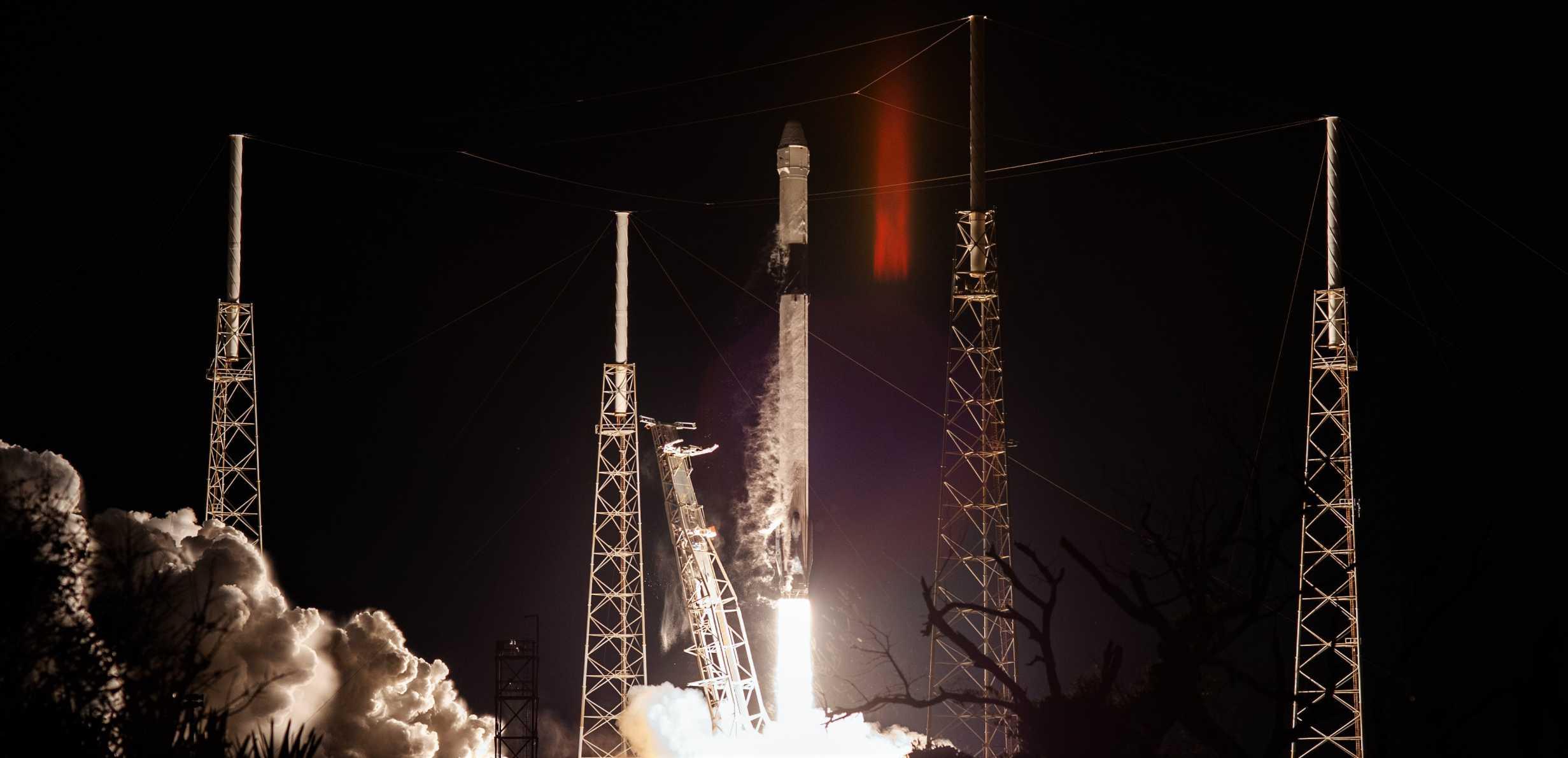 CRS-20 Dragon C112 F9 B1059 030720 (NASA) launch 1 crop (c)