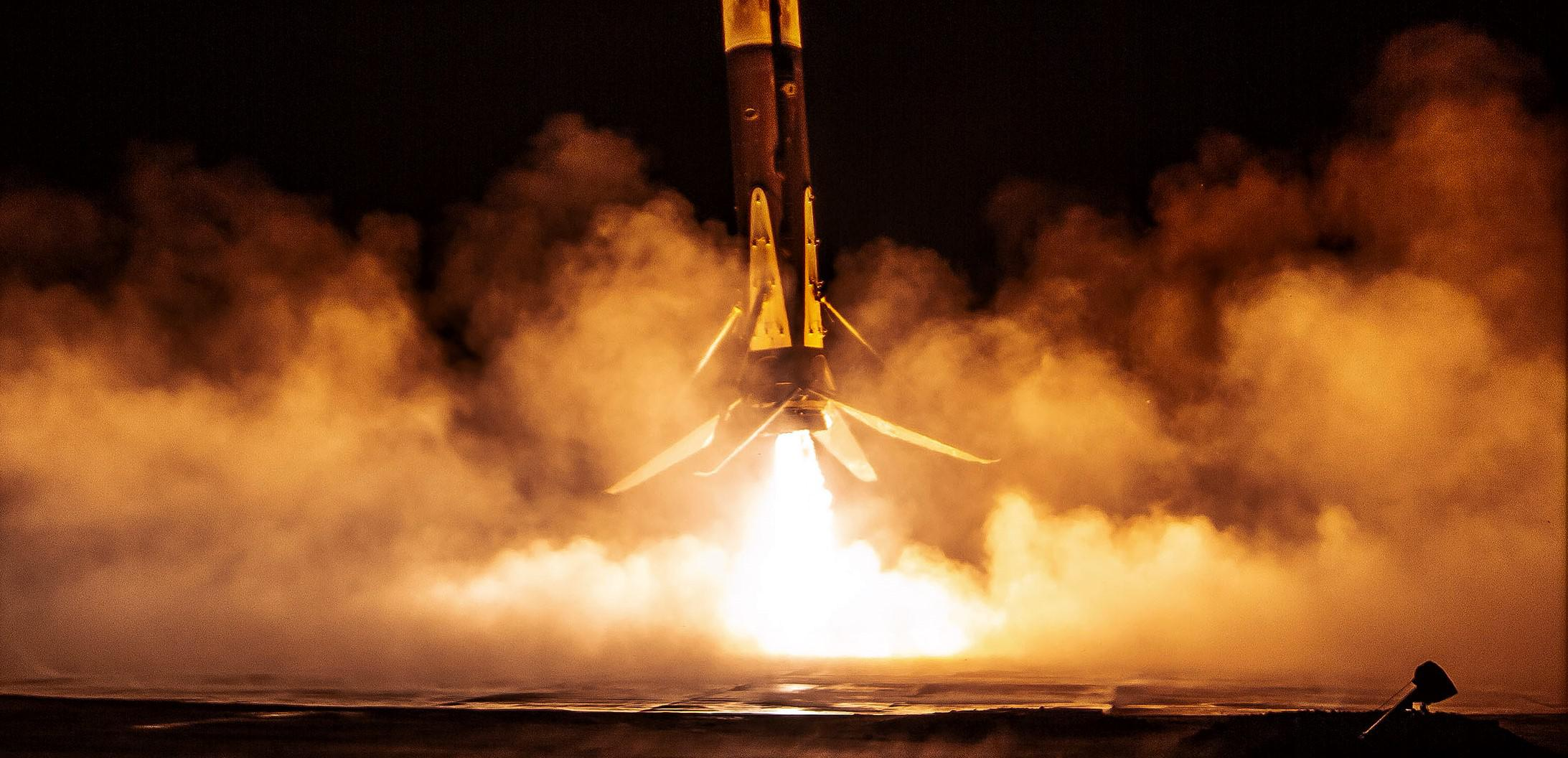CRS-20 Falcon 9 B1059 LZ-1 030620 (SpaceX) landing 1 crop
