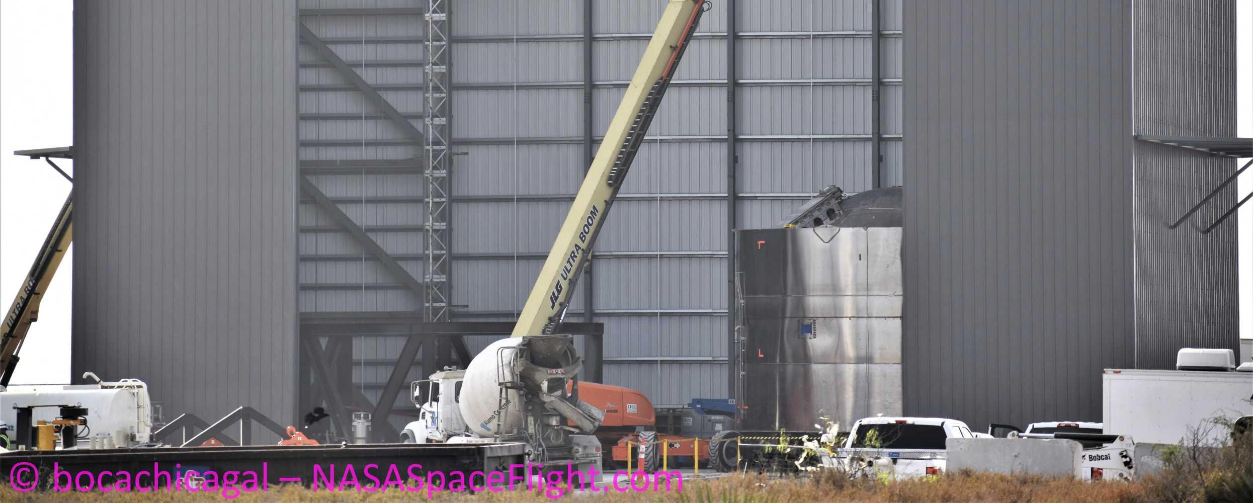 Starship Boca Chica 031620 (NASASpaceflight – bocachicagal) SN03 + VAB elevator 1 crop (c)