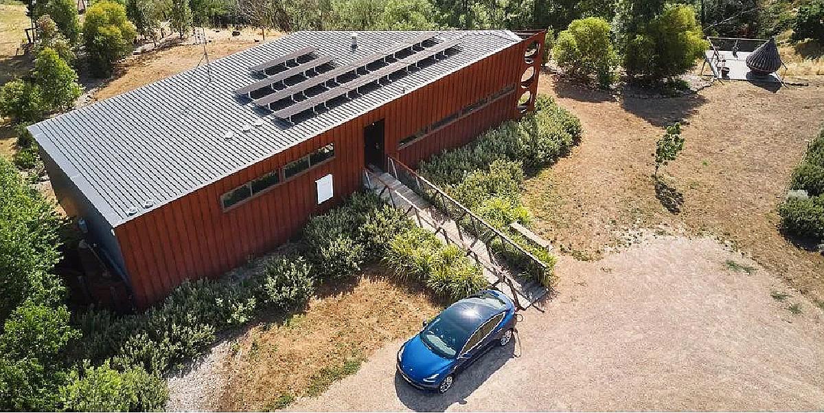 tesla-australia-solar-villa-sweepstakes-featured