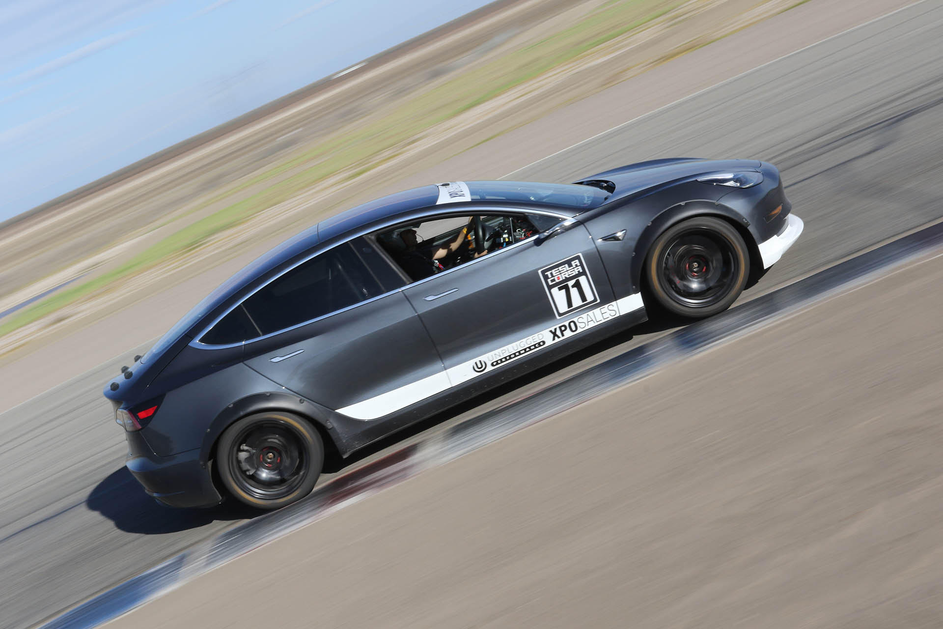 tesla-model-3-buttonwillow-record-break