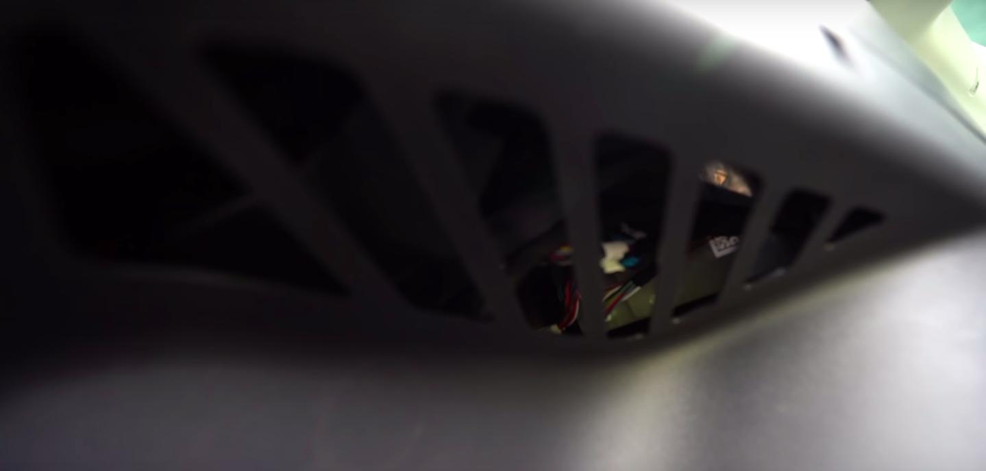tesla-model-y-drivers-side-rear-vent