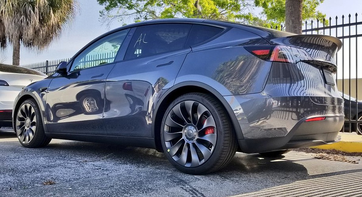 tesla-model-y-performance