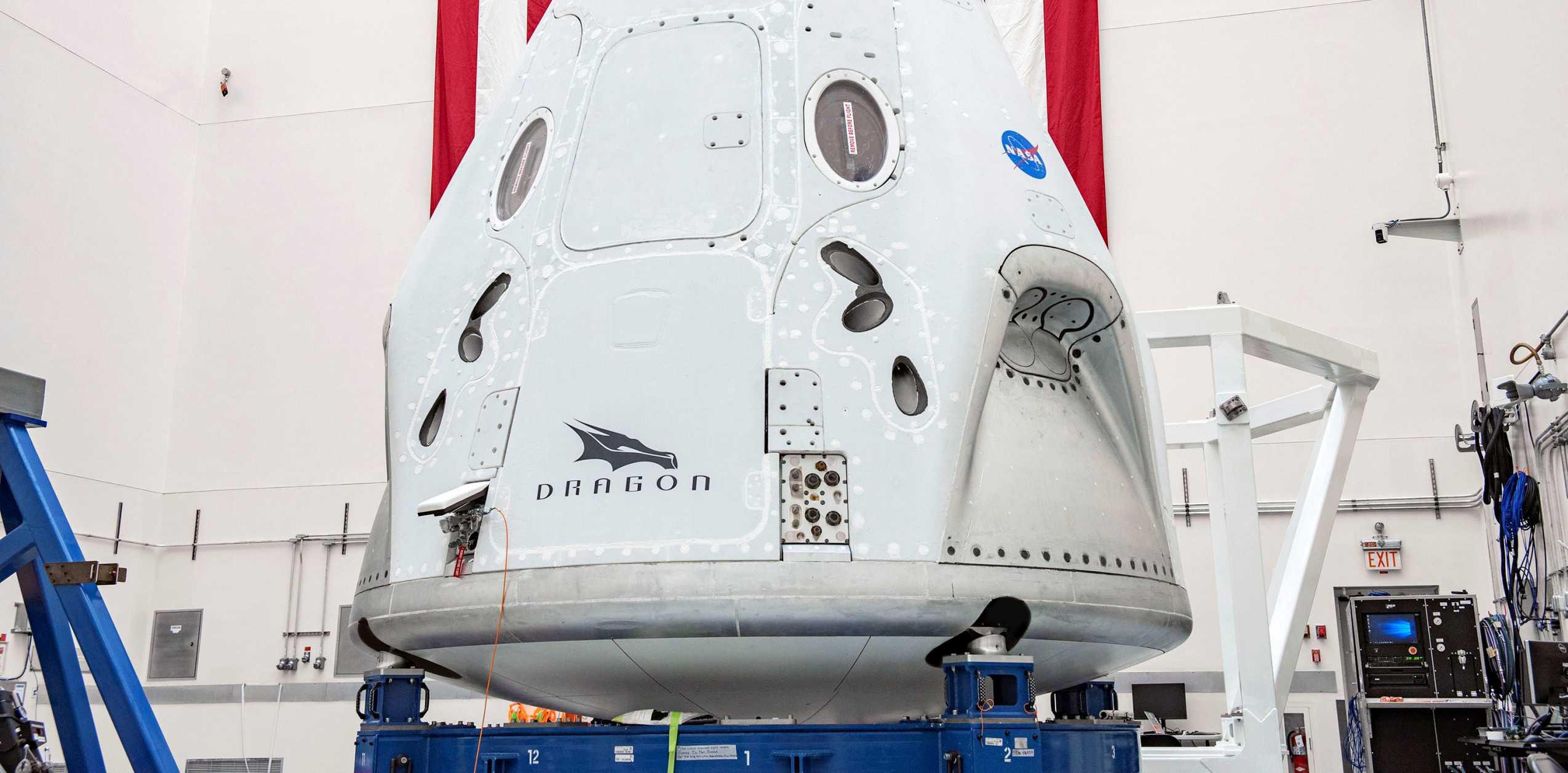Crew Dragon C206 041120 (SpaceX) final integration 1 crop (c)