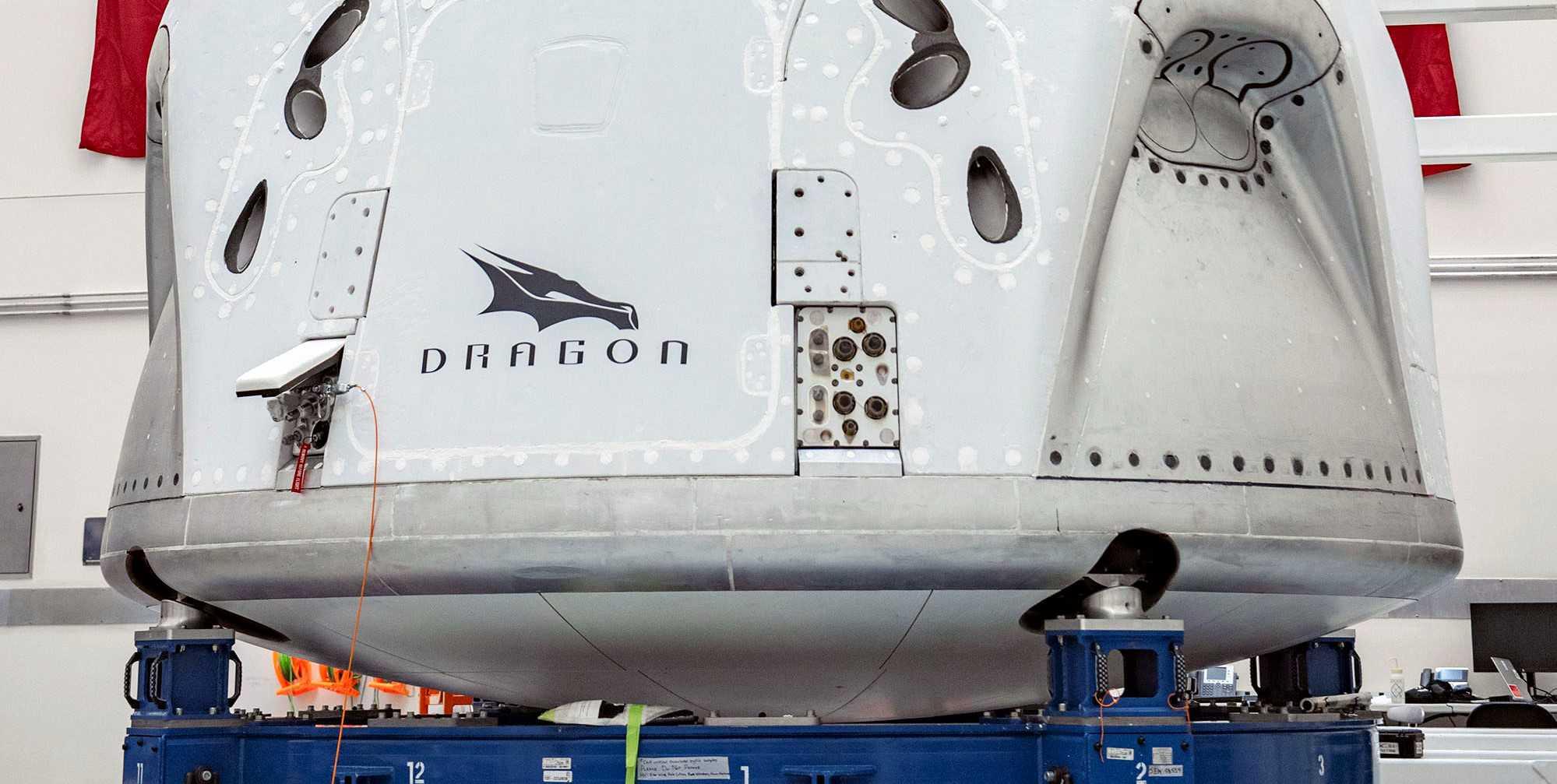 Crew Dragon C206 041120 (SpaceX) final integration 2 crop (c)