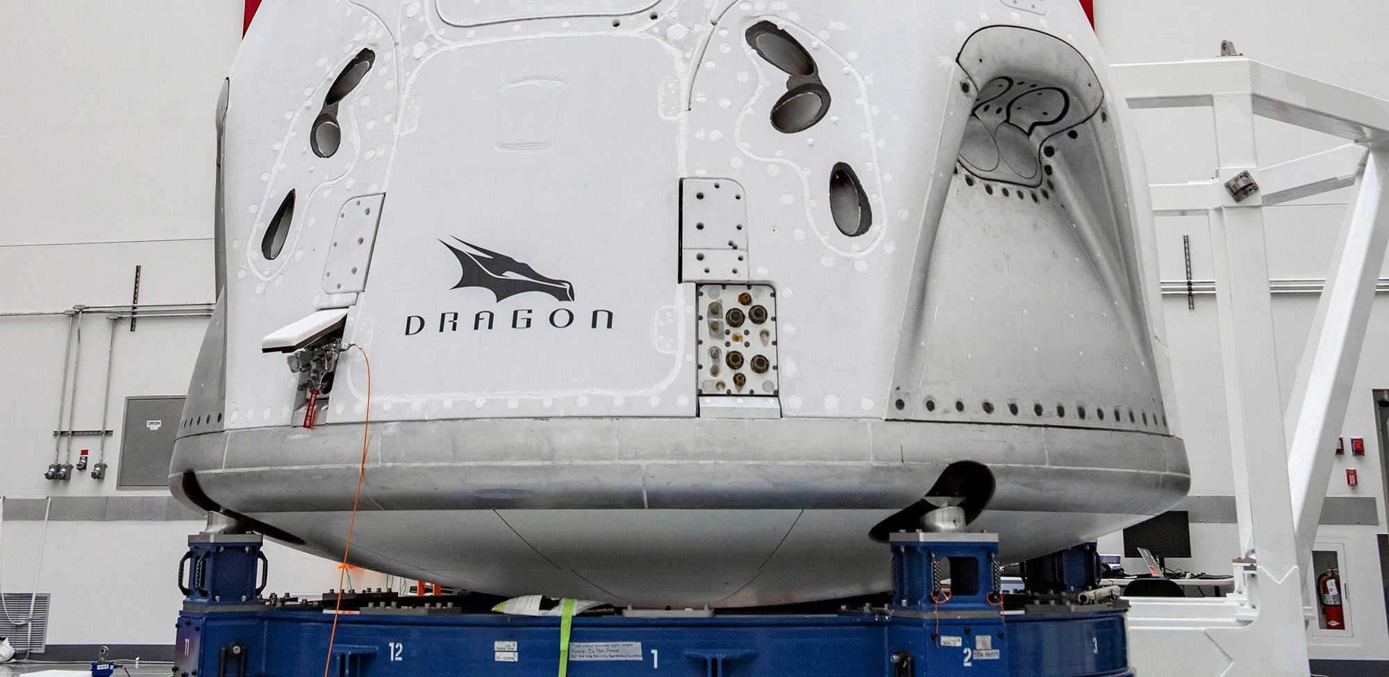 Crew Dragon C206 041120 (SpaceX) final integration 3 crop (c)