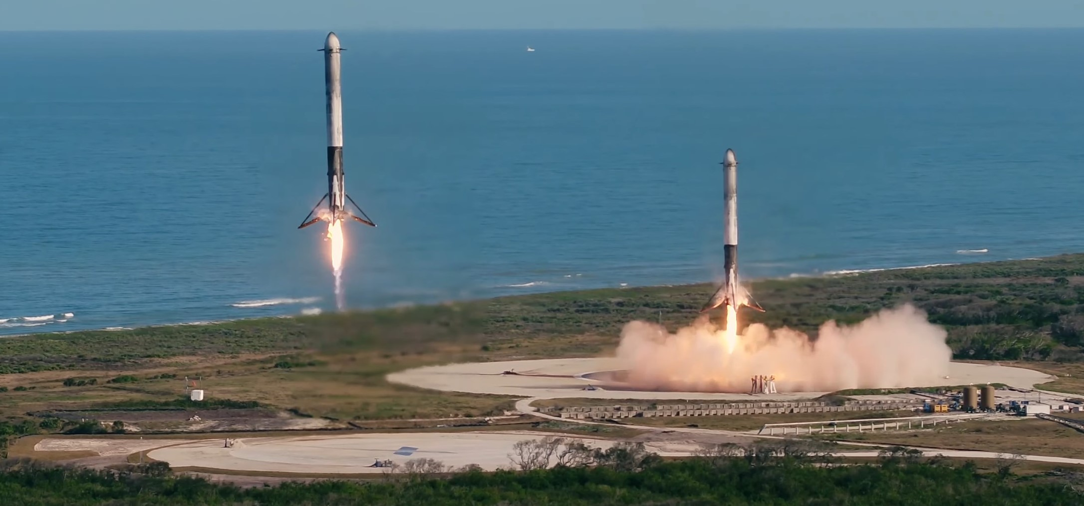 Falcon Heavy Demo Feb 2018 (SpaceX) 1 crop