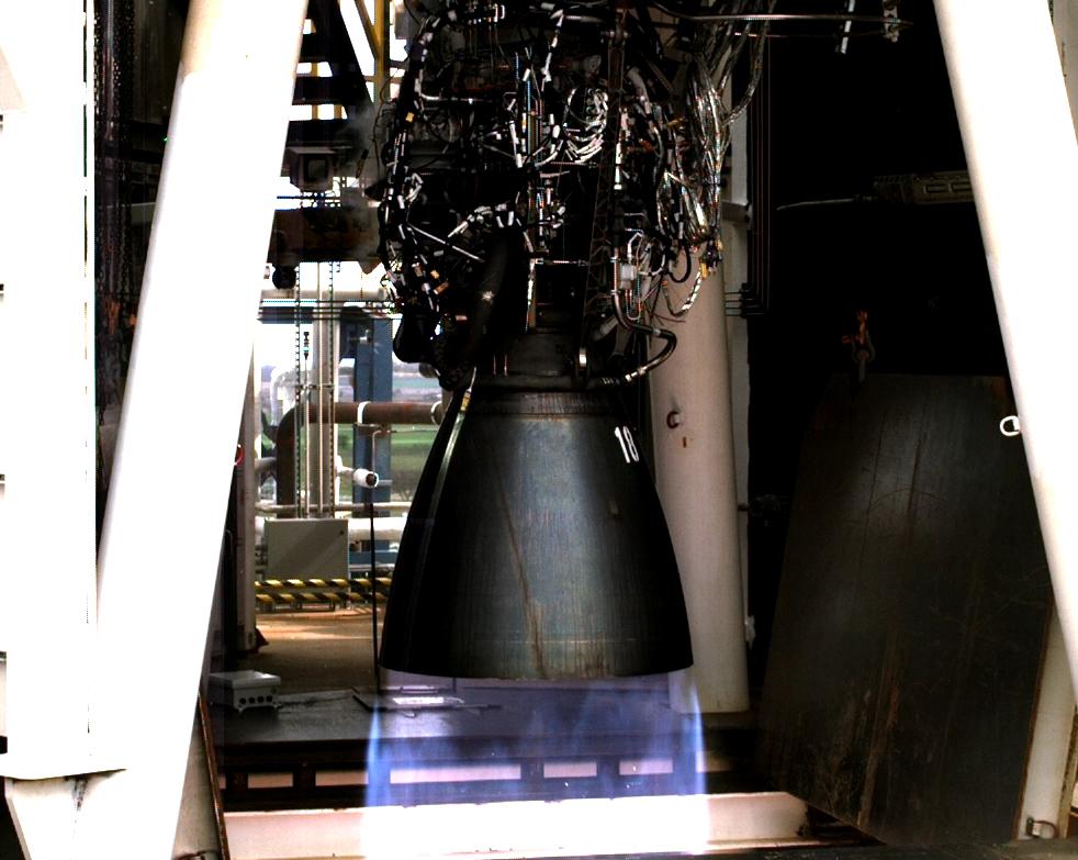 Raptor SN18 tripod stand test Feb 2020 (SpaceX) 1