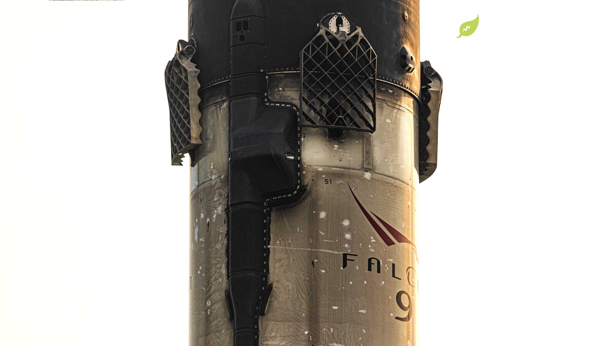 Starlink-6 Falcon 9 B1051 OCISLY 042520 (Richard Angle) return (13) crop (c)