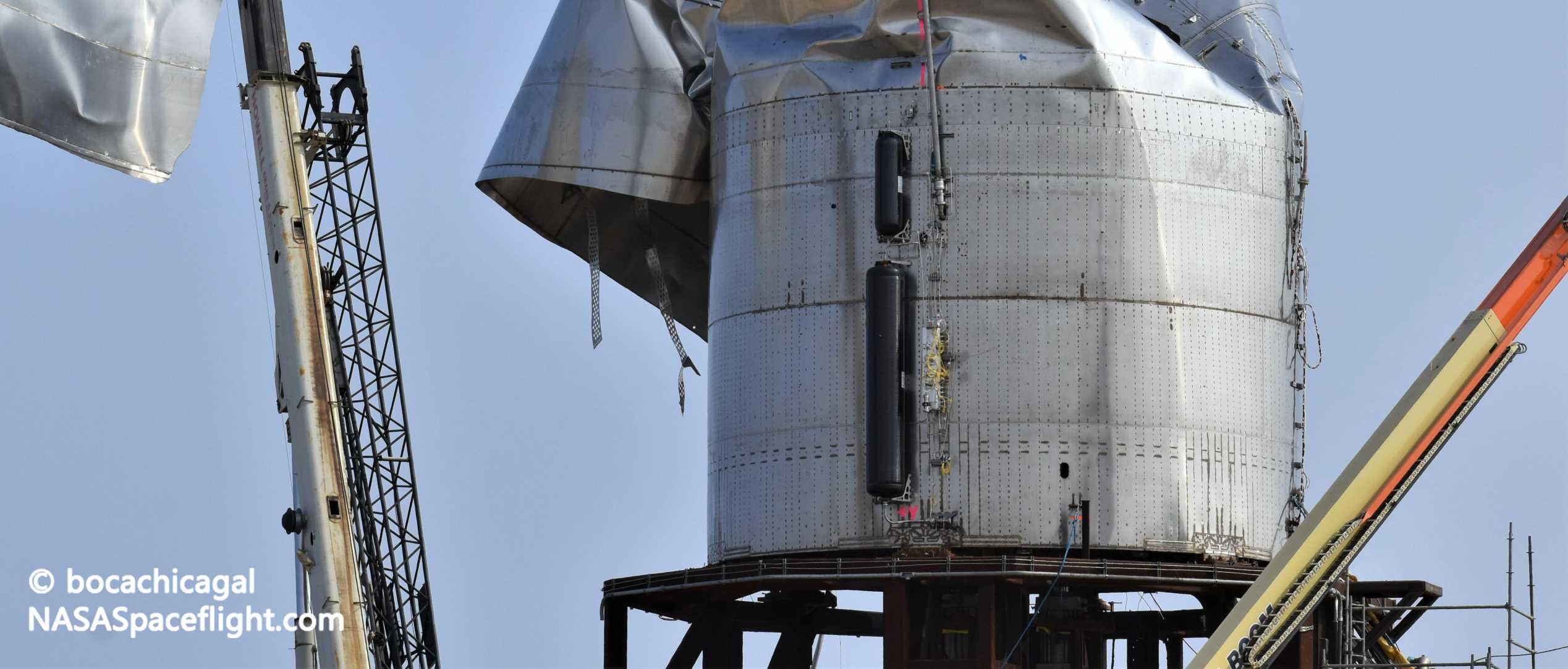 Starship Boca Chica 040320 (NASASpaceflight – bocachicagal) SN3 engine section 5 crop (c)