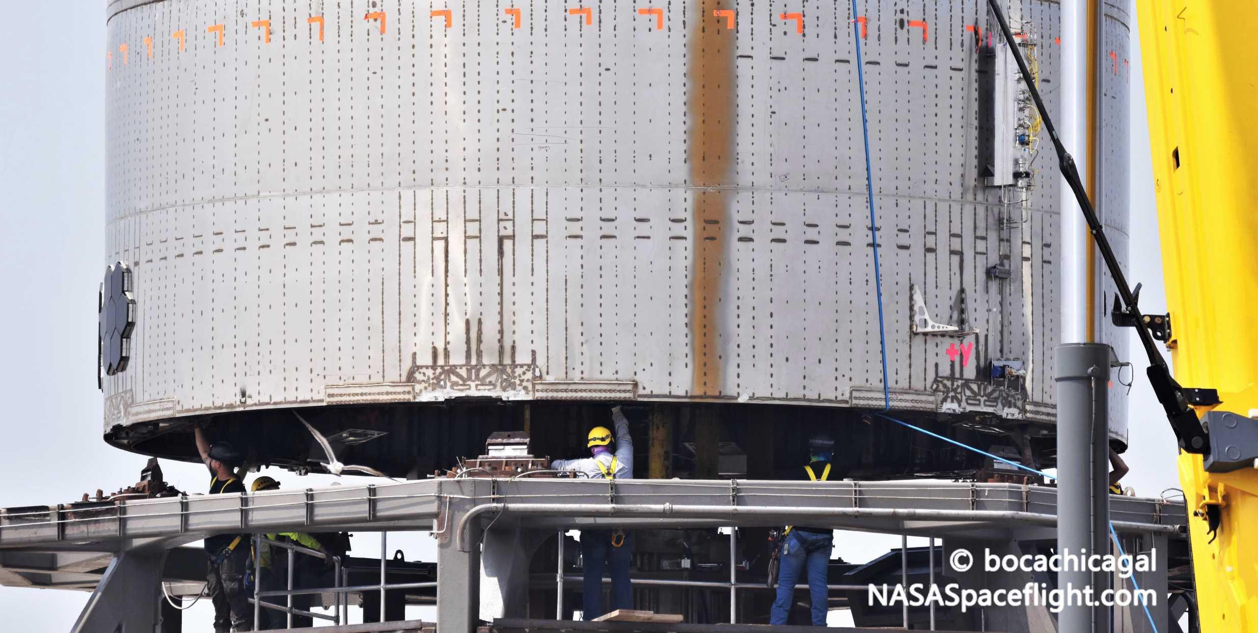 Starship Boca Chica 042320 (NASASpaceflight – bocachicagal) SN4 pad move 14 crop (c)