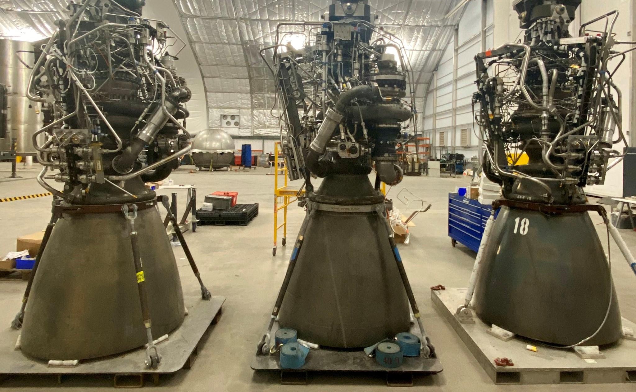 Starship Raptor flight engines 040420 (Elon Musk) 1 crop