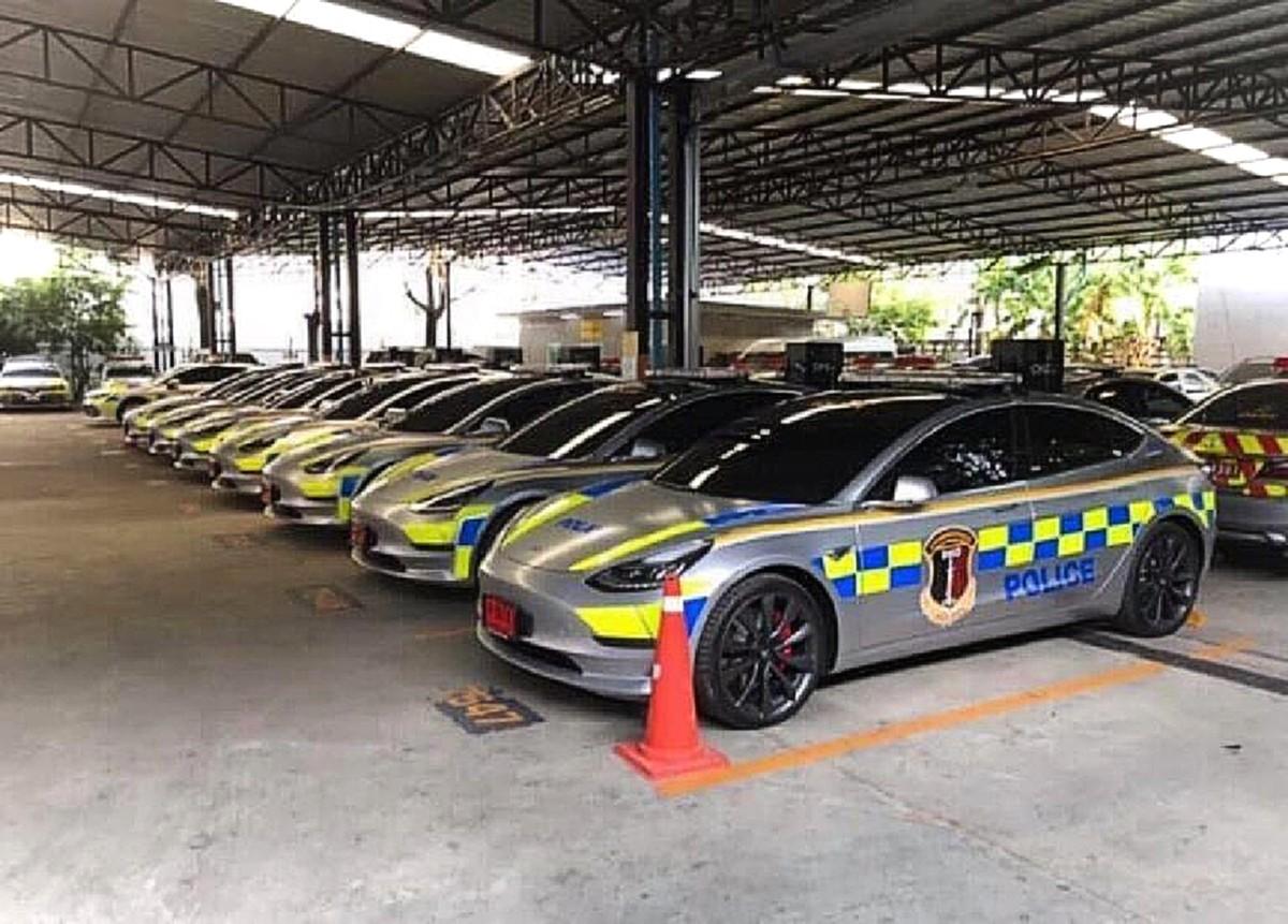 Thai-Police-Tesla-Model-3-fleet-768×551