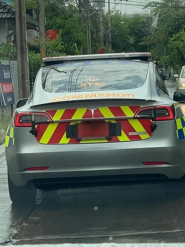 Thai-Police-Tesla-Model-3