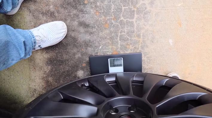 tesla-model-y-heavy-wheels