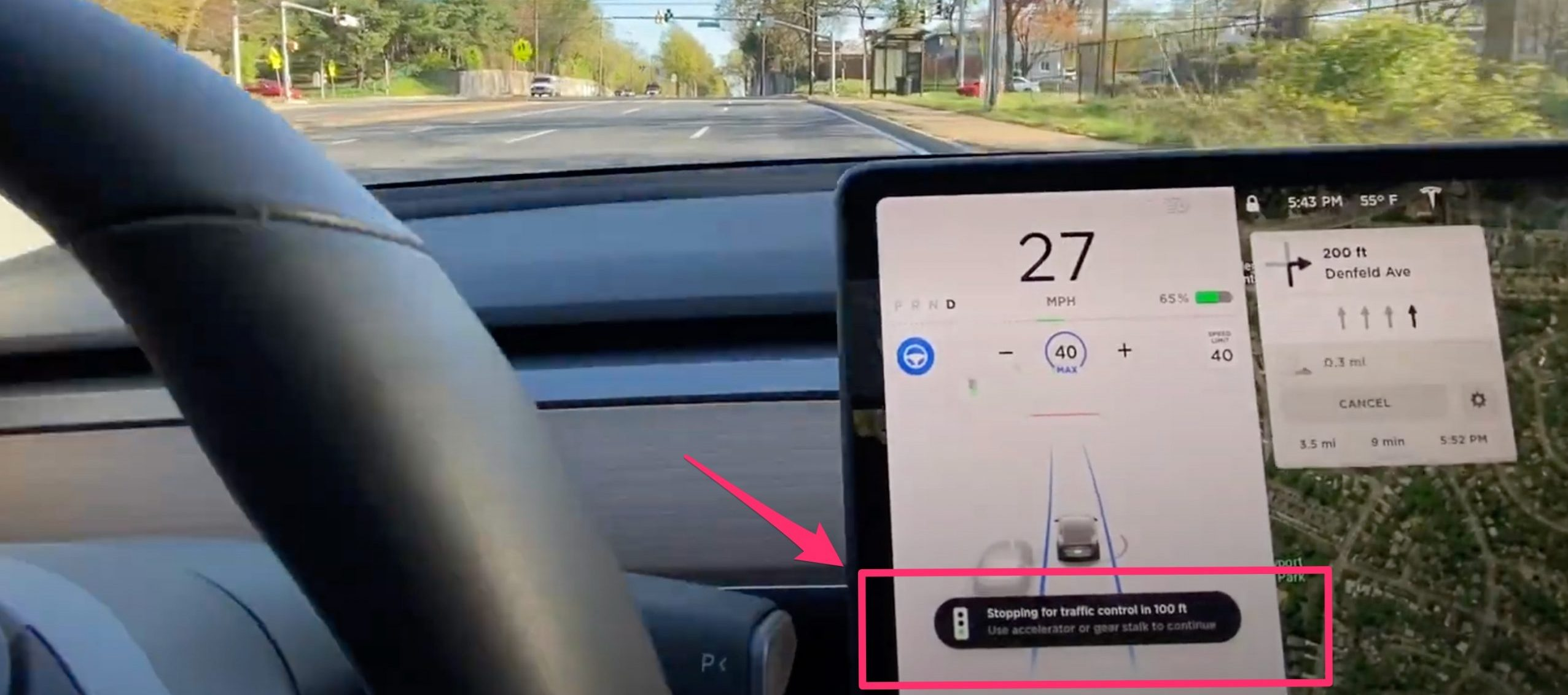 tesla-traffic-light-control-warning-message-crop