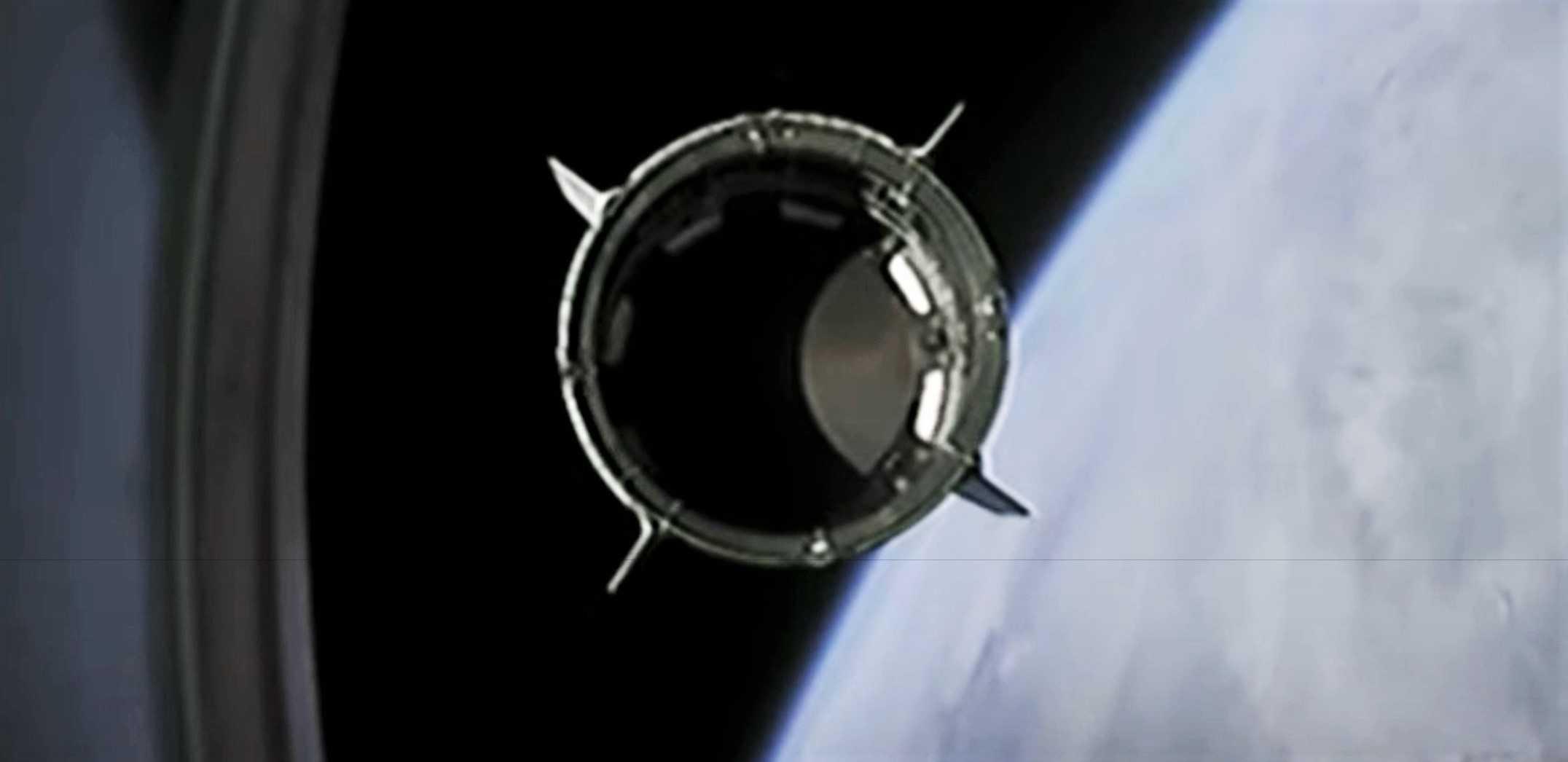 Crew Dragon C206 F9 B1058 Demo-2 053020 webcast (SpaceX) 10 crop (c)