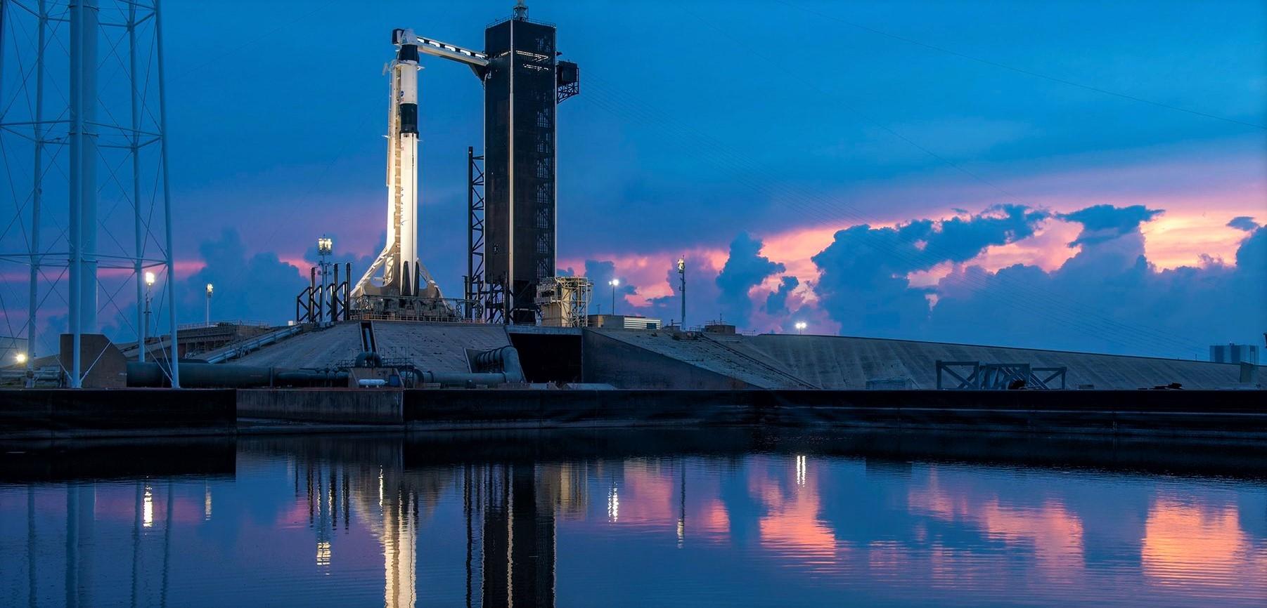 https://www.teslarati.com/wp-content/uploads/2020/05/Crew-Dragon-C206-F9-B1058-Demo-2-39A-052620-SpaceX-1-crop.jpg