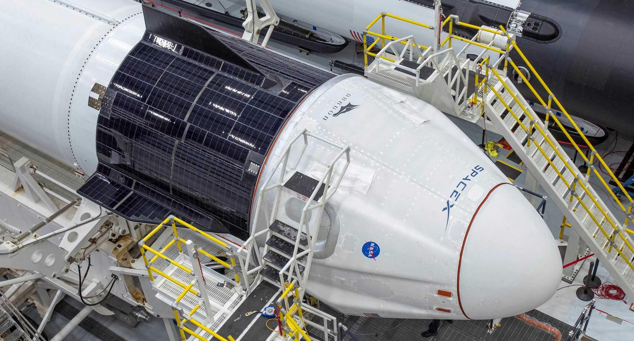 Demo-2 Crew Dragon C206 Falcon 9 S2 39A 052020 (SpaceX) 1 crop (c)