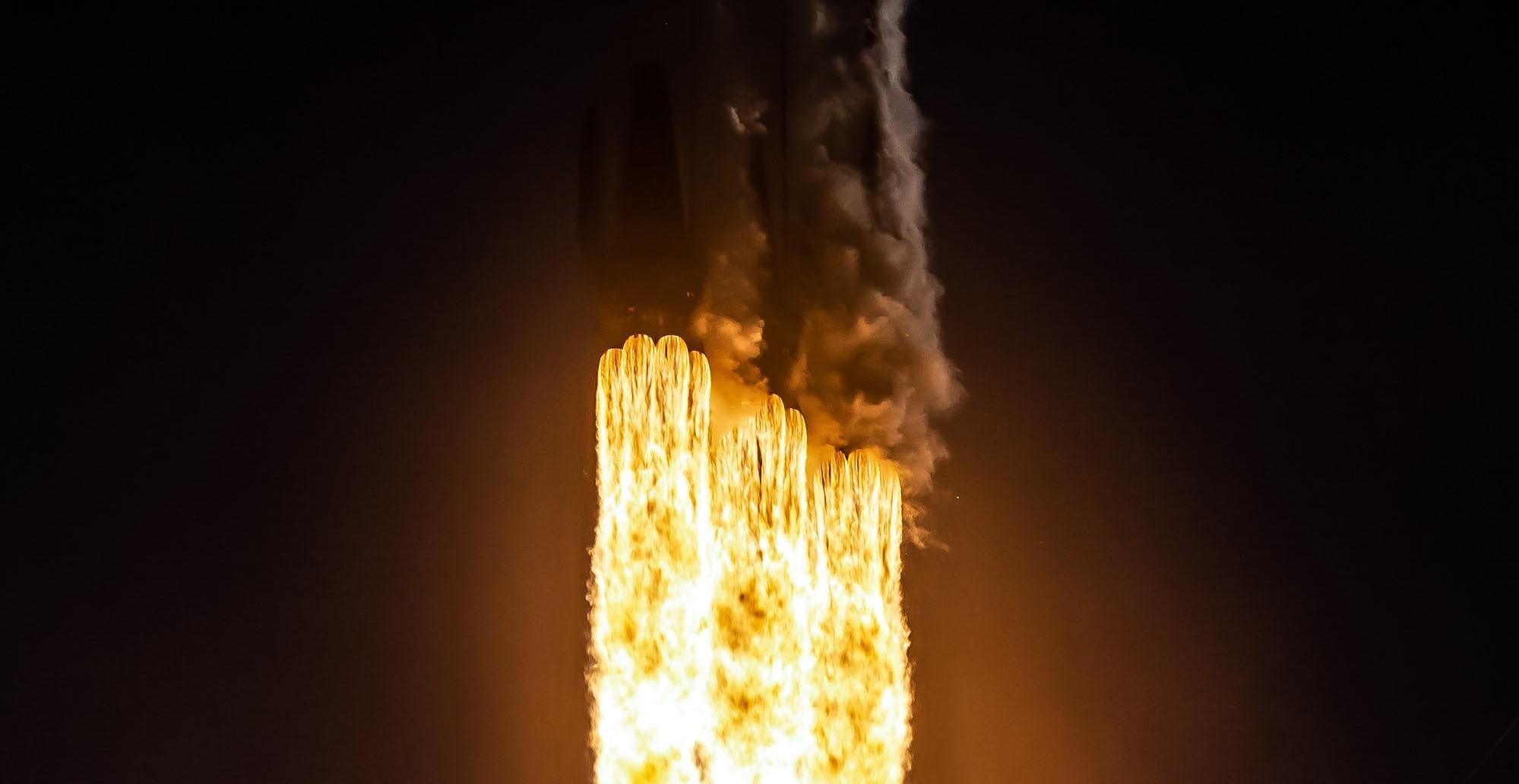 Falcon Heavy Flight 2 liftoff (SpaceX) detail 2 crop