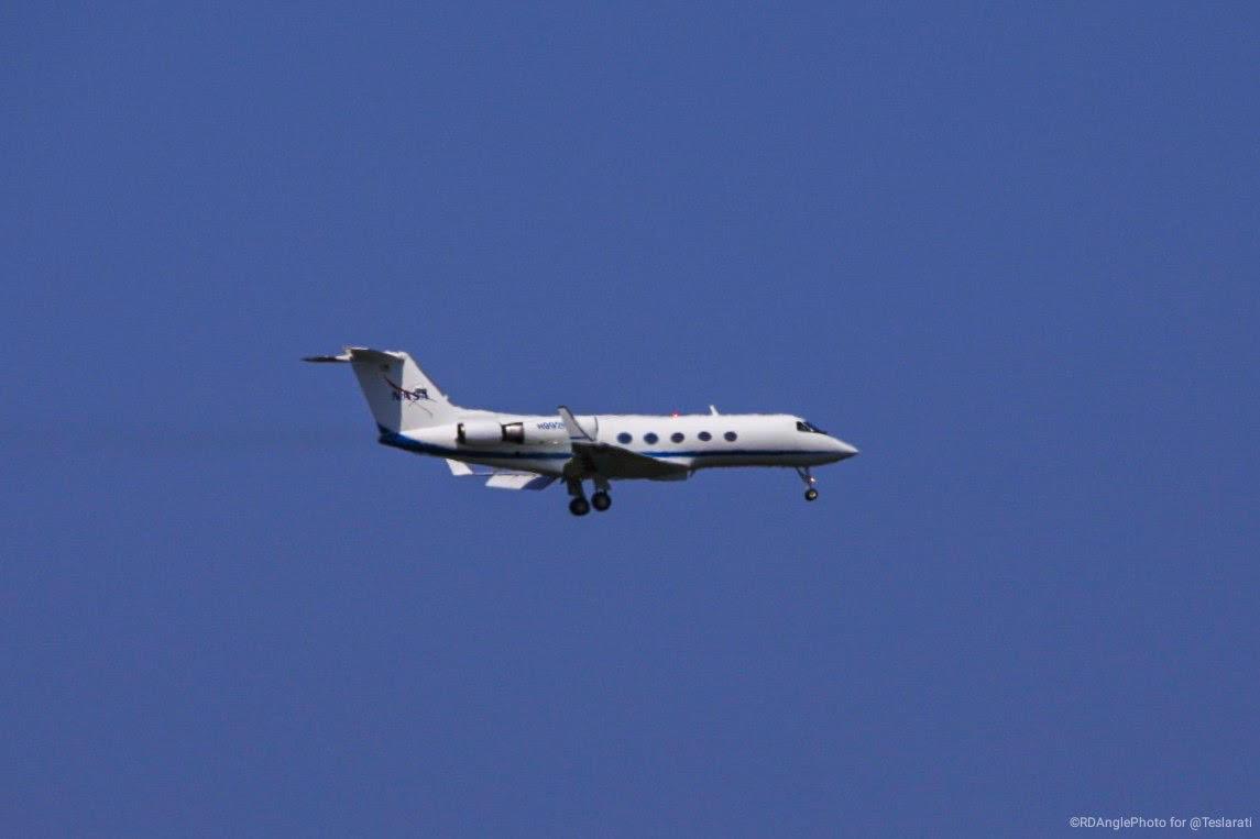 crew arrival plane