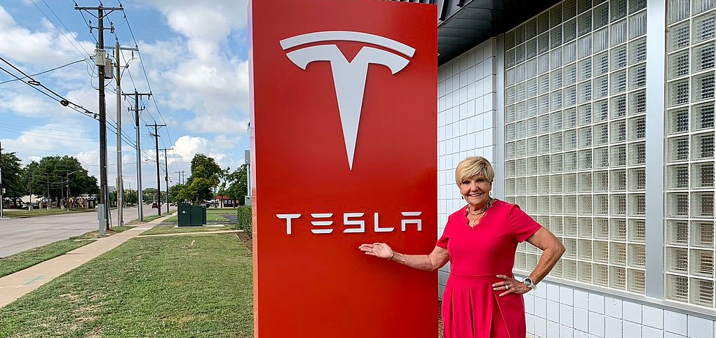 tesla-fort-worth-texas-facility-mayor-betsy-price