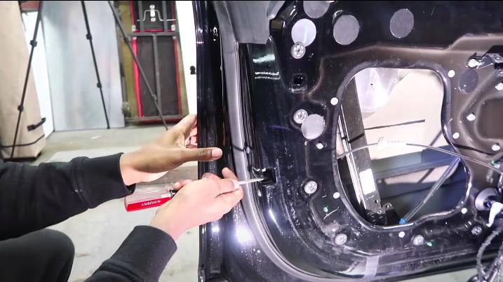 tesla-model-s-door-handle-step-10