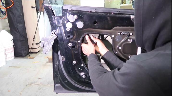 tesla-model-s-door-handle-step-20