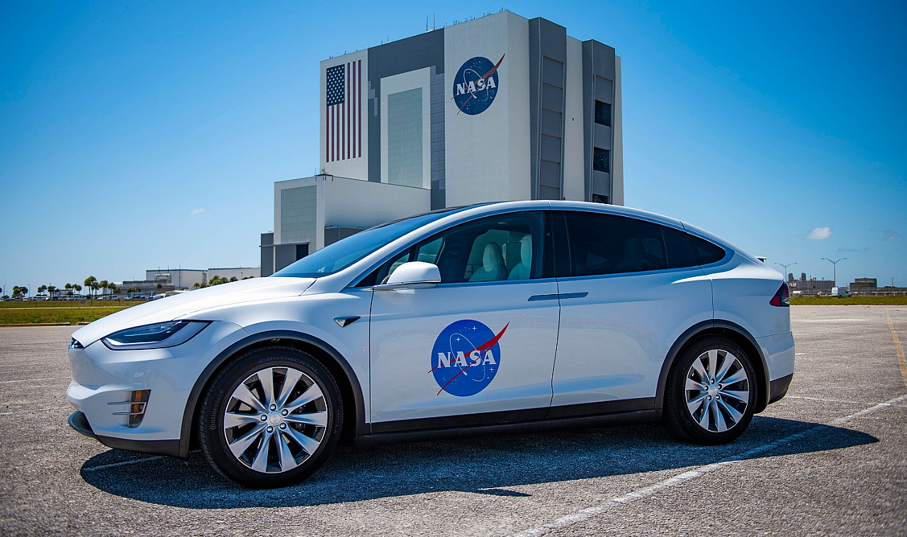 Tesla Model X that will transport NASA astronauts to the Crew Dragon Demo 2 spacecraft on May 27.