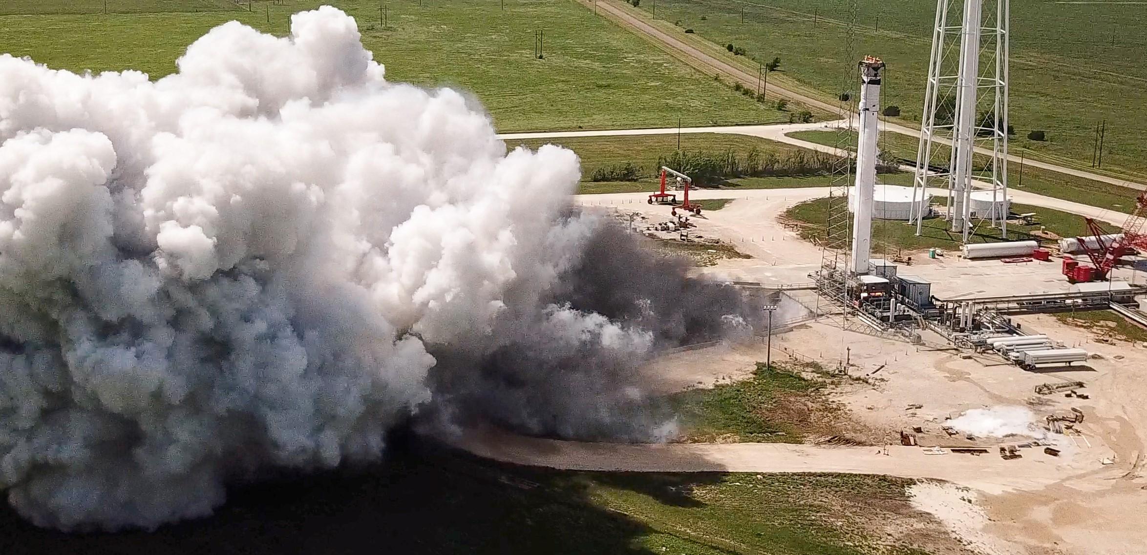 Crew-1 Falcon 9 B1061 static fire April 2020 (SpaceX) 1 crop 2