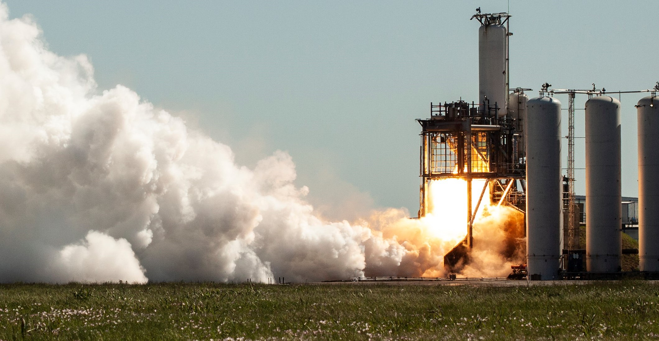 Crew-1 Falcon 9 S2 MVac static fire April 2020 (SpaceX) 1 crop 2