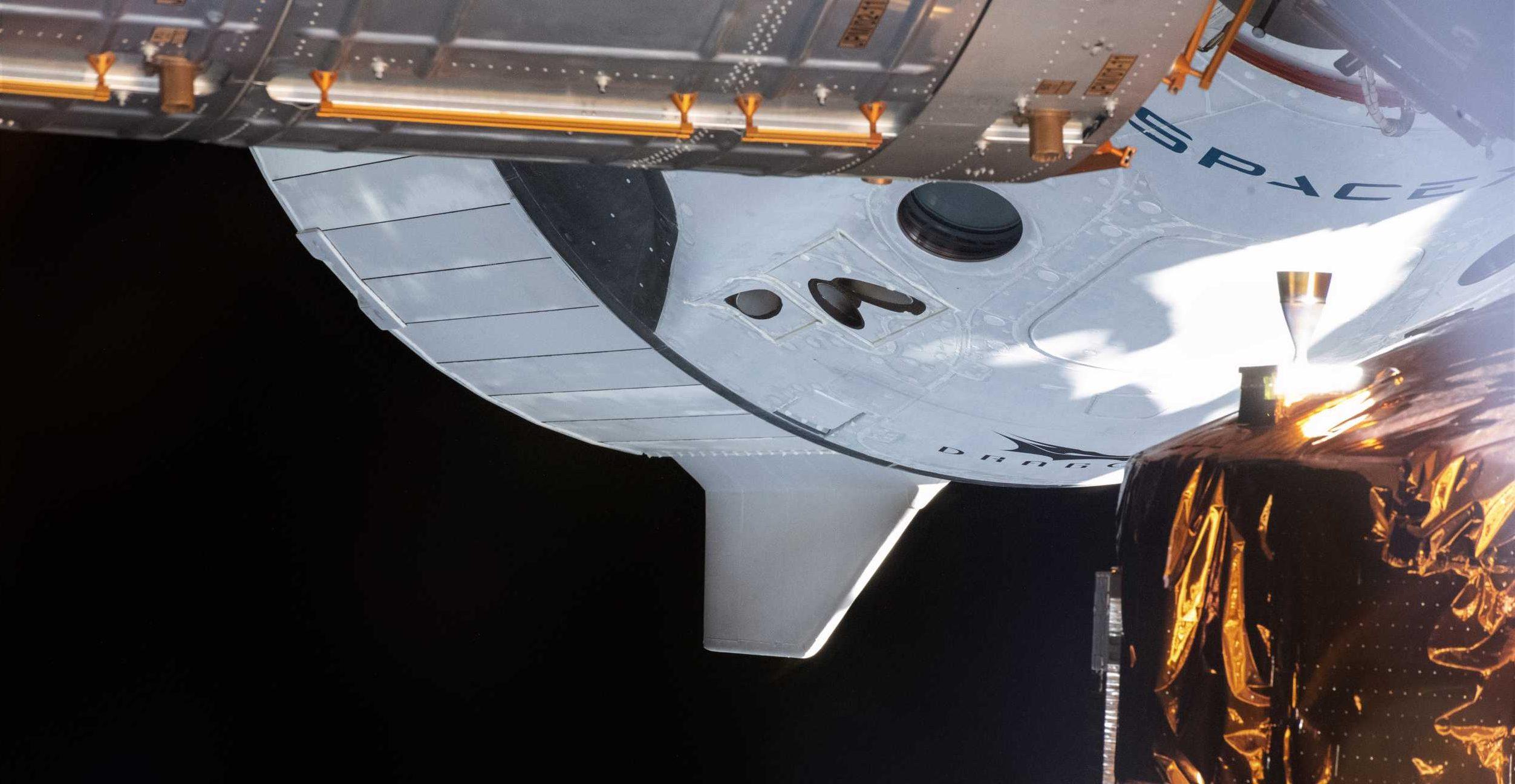 Crew Dragon C206 Demo-2 ISS 060820 (NASA) 1 crop 1 (c)