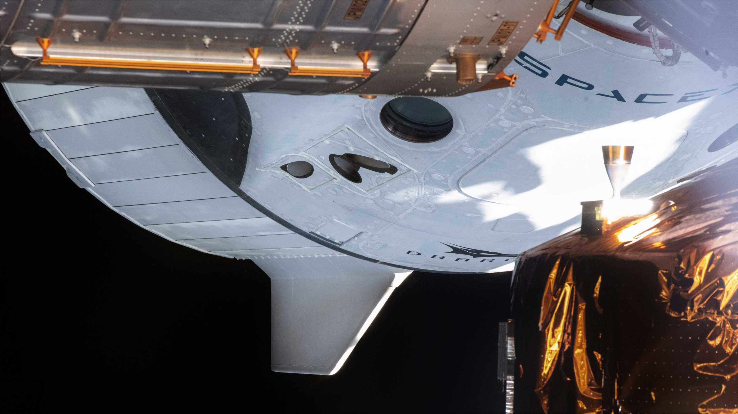 Crew Dragon C206 Demo-2 ISS 060820 (NASA) 1 crop 3 (c)